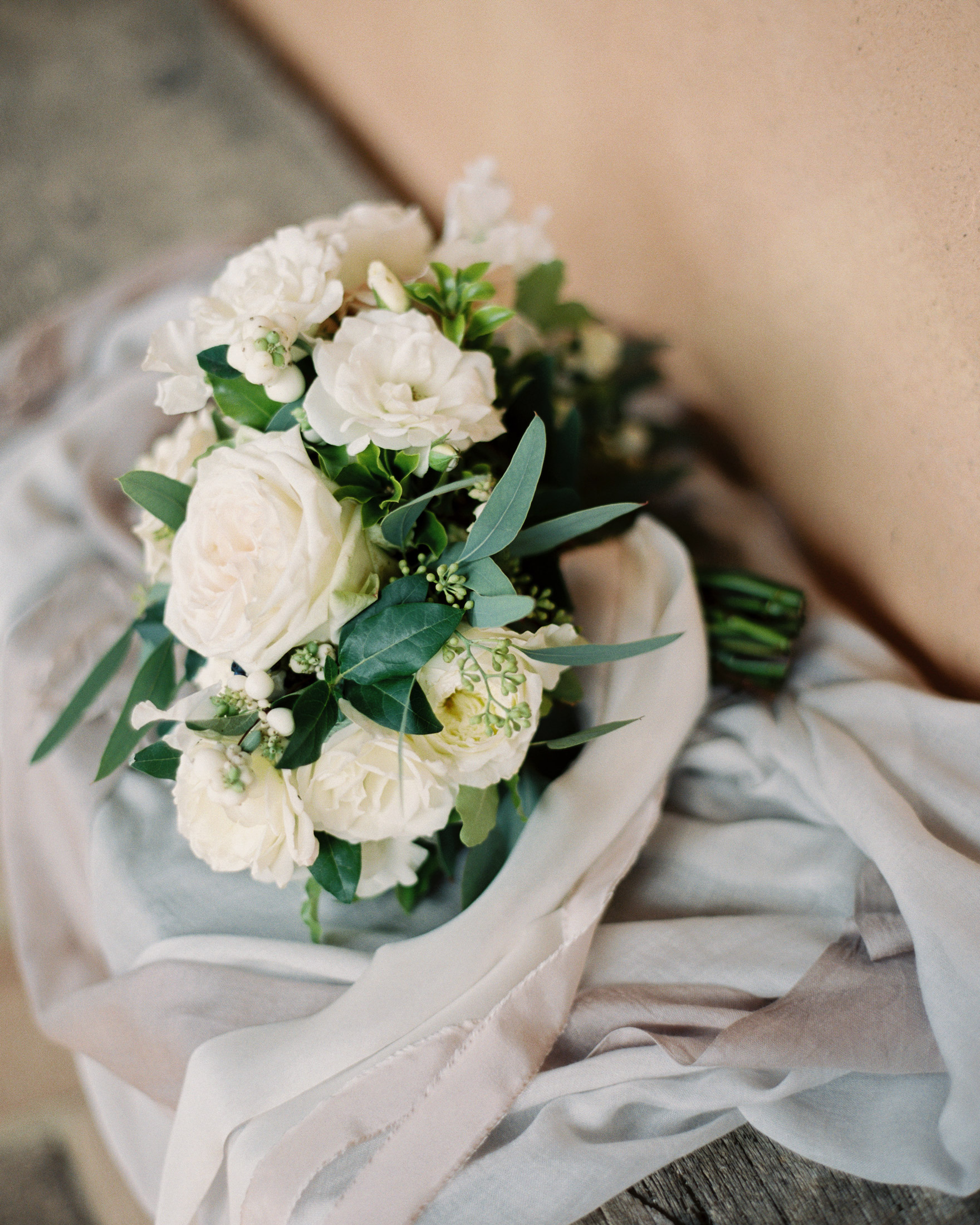 christine-dagan-wedding-bouquet-4282_03-s113011-0616.jpg