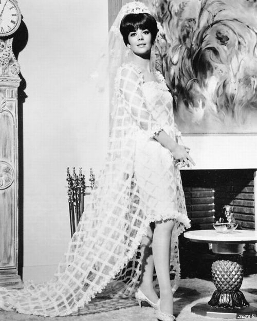 movie-wedding-dresses-penelope-natalie-wood-0516.jpg