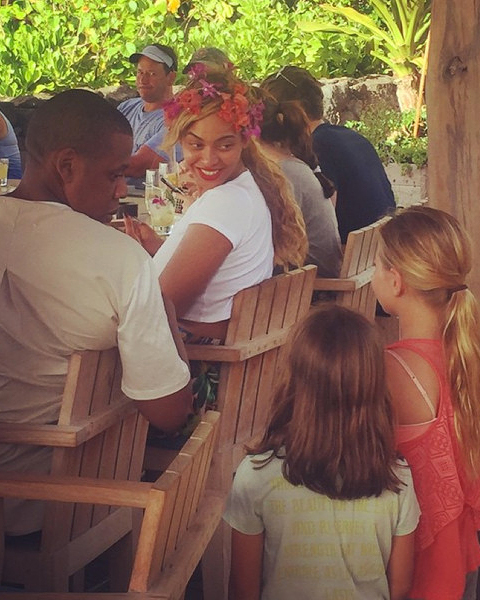 beyonce-flower-crown-james-brennan-instagram-0616.jpg