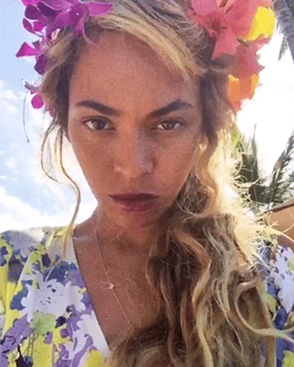 beyonce-flower-crown-selfie-website-0616.jpg