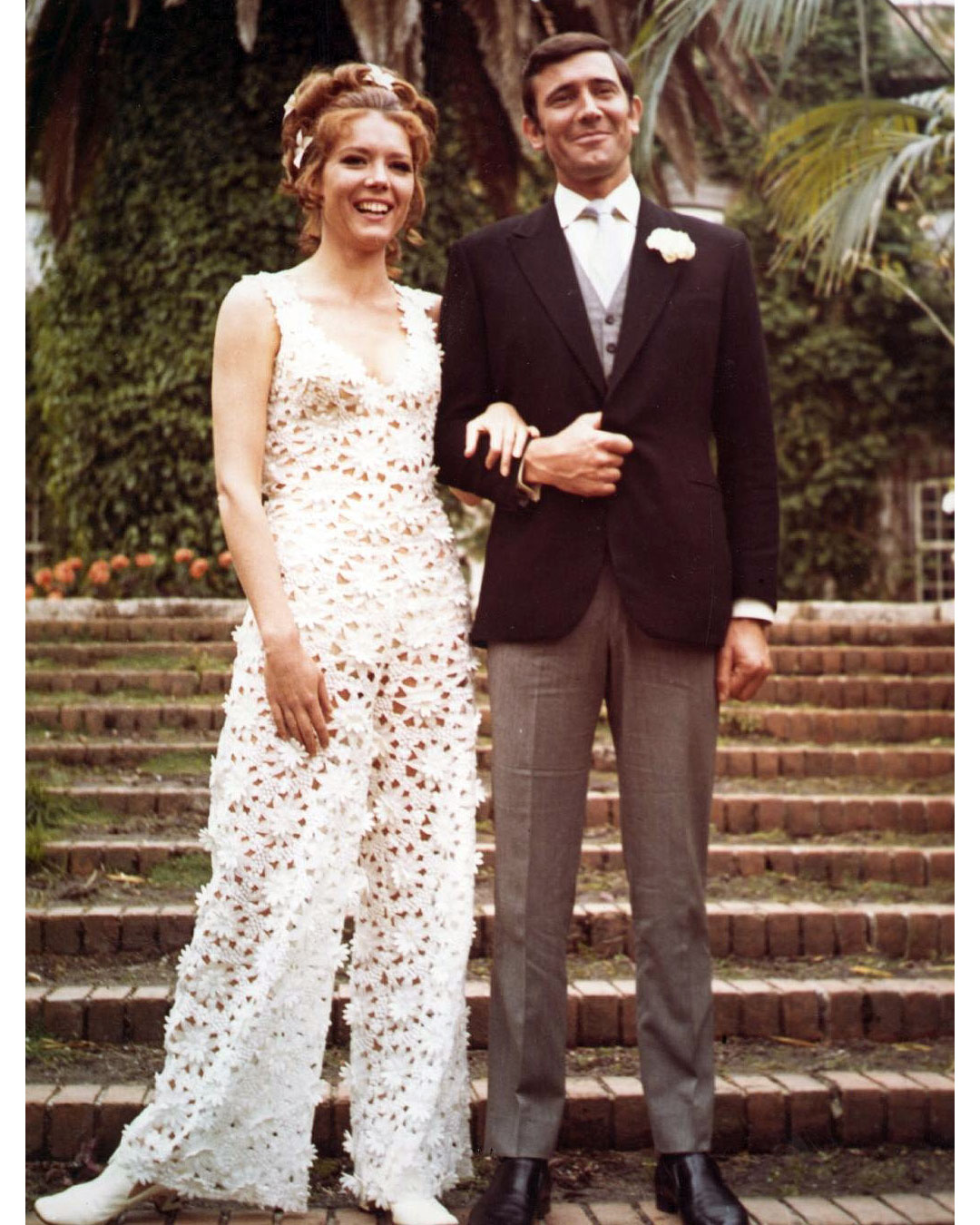 movie-wedding-dresses-james-bond-on-her-majestys-secret-service-diana-rigg-0316.jpg