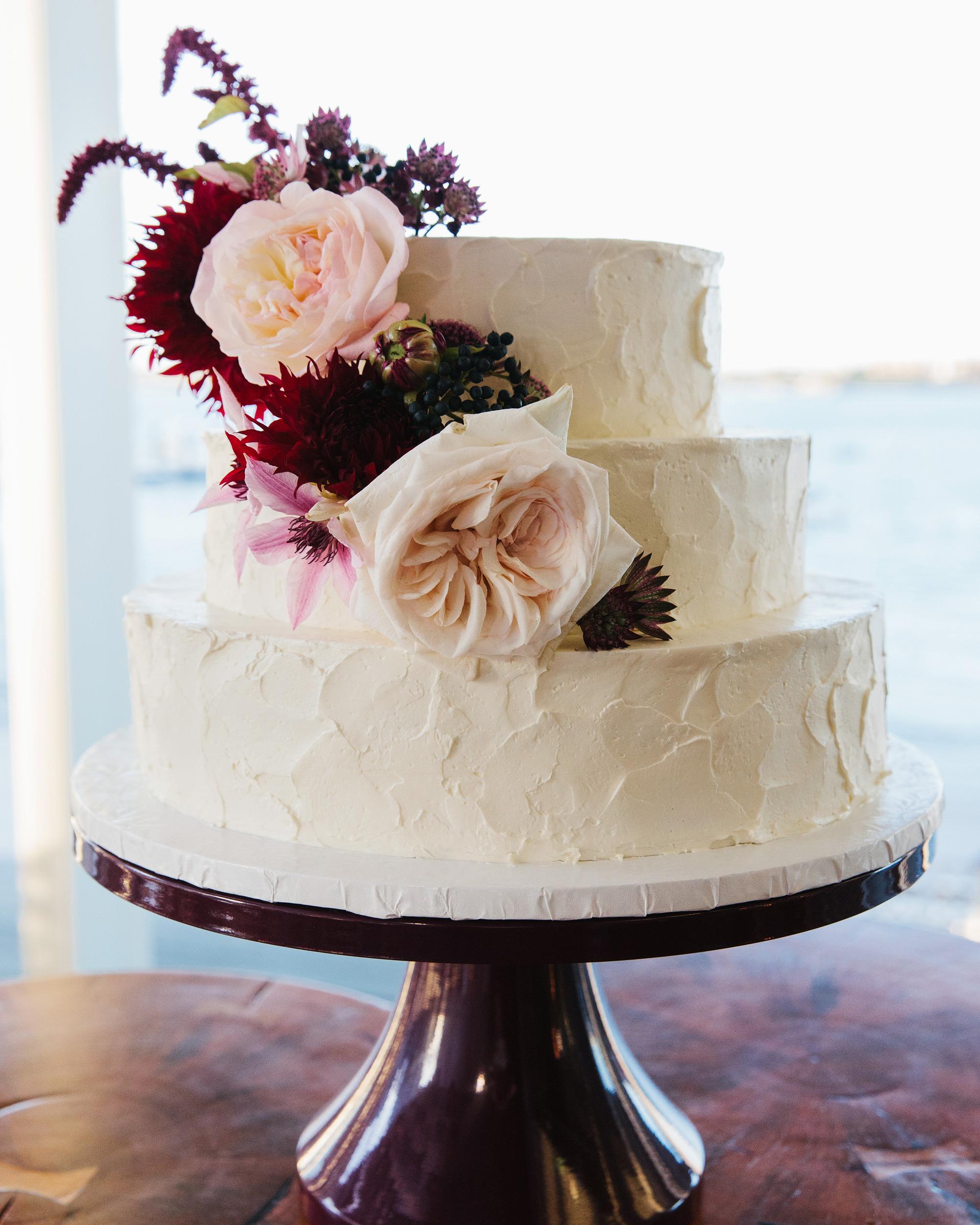danielle-brian-wedding-cake-0780-s113001-0616.jpg