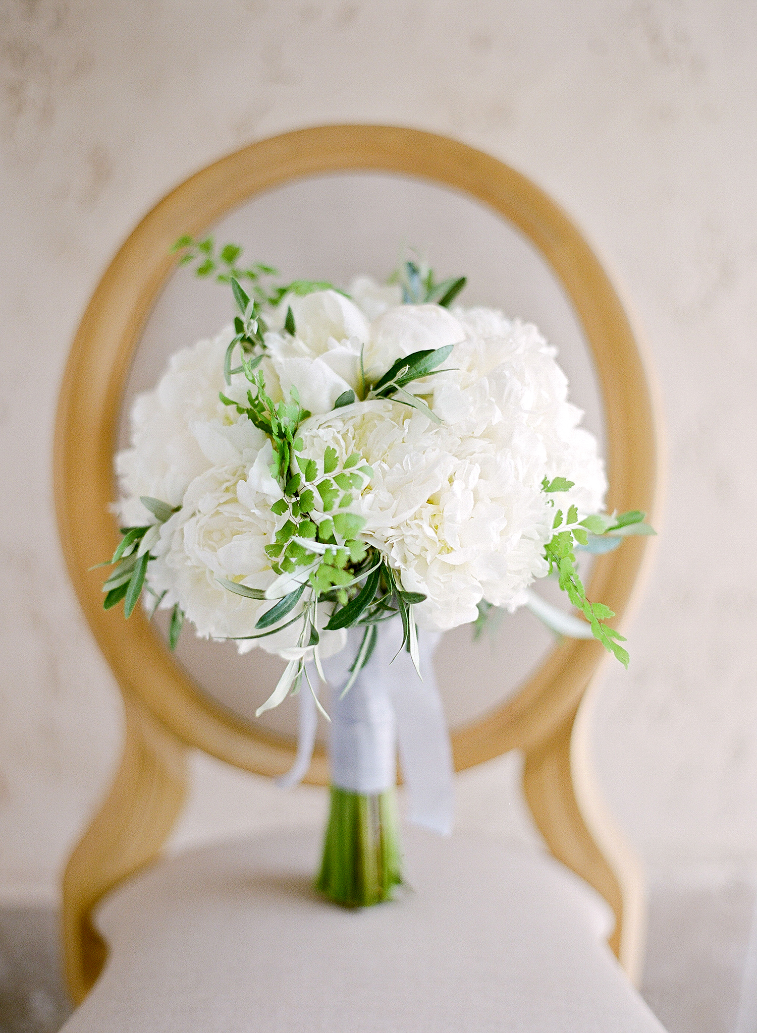 jannicke paal france wedding bridal bouquet
