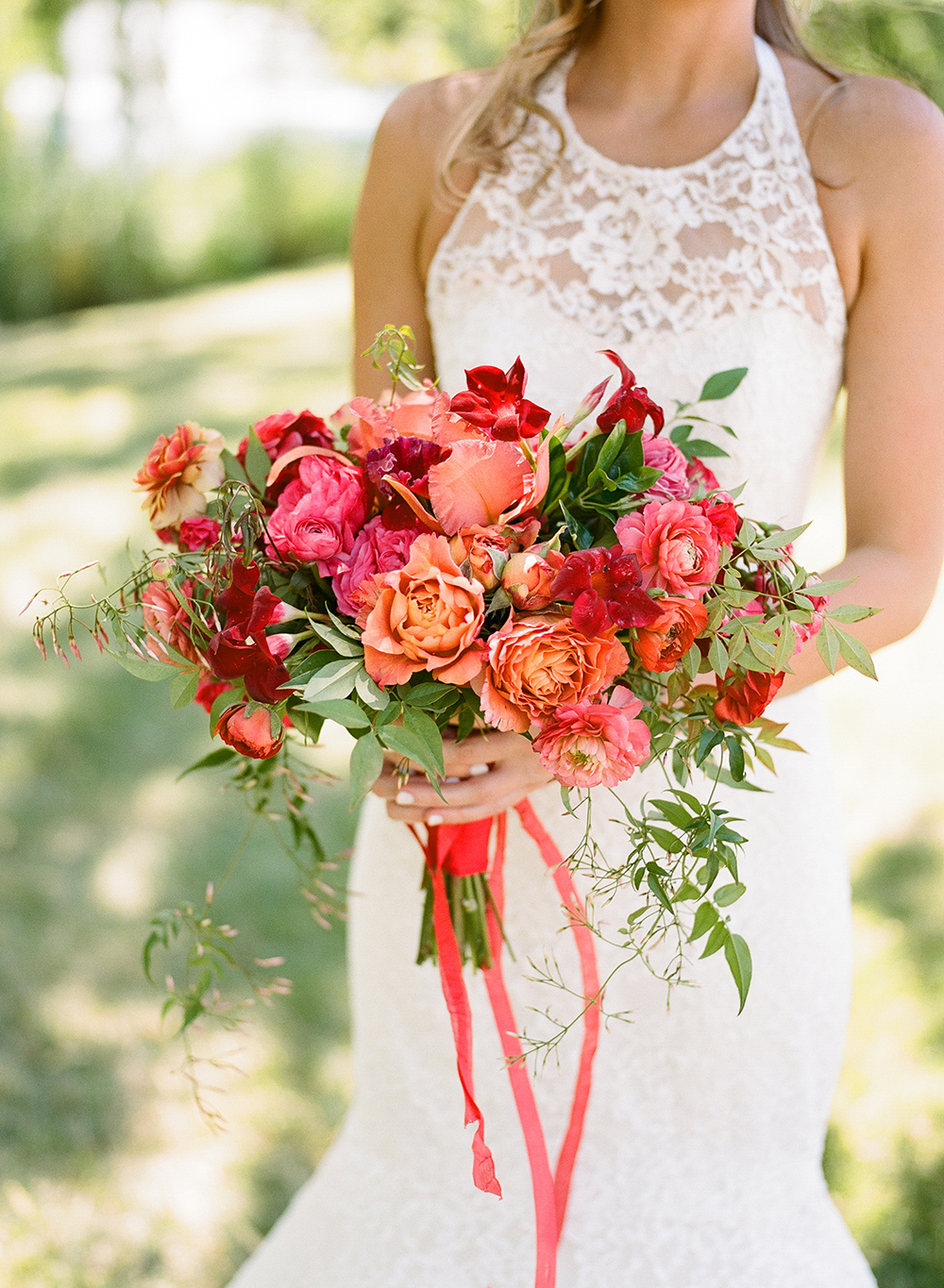 monochromatic bouquet red flowers