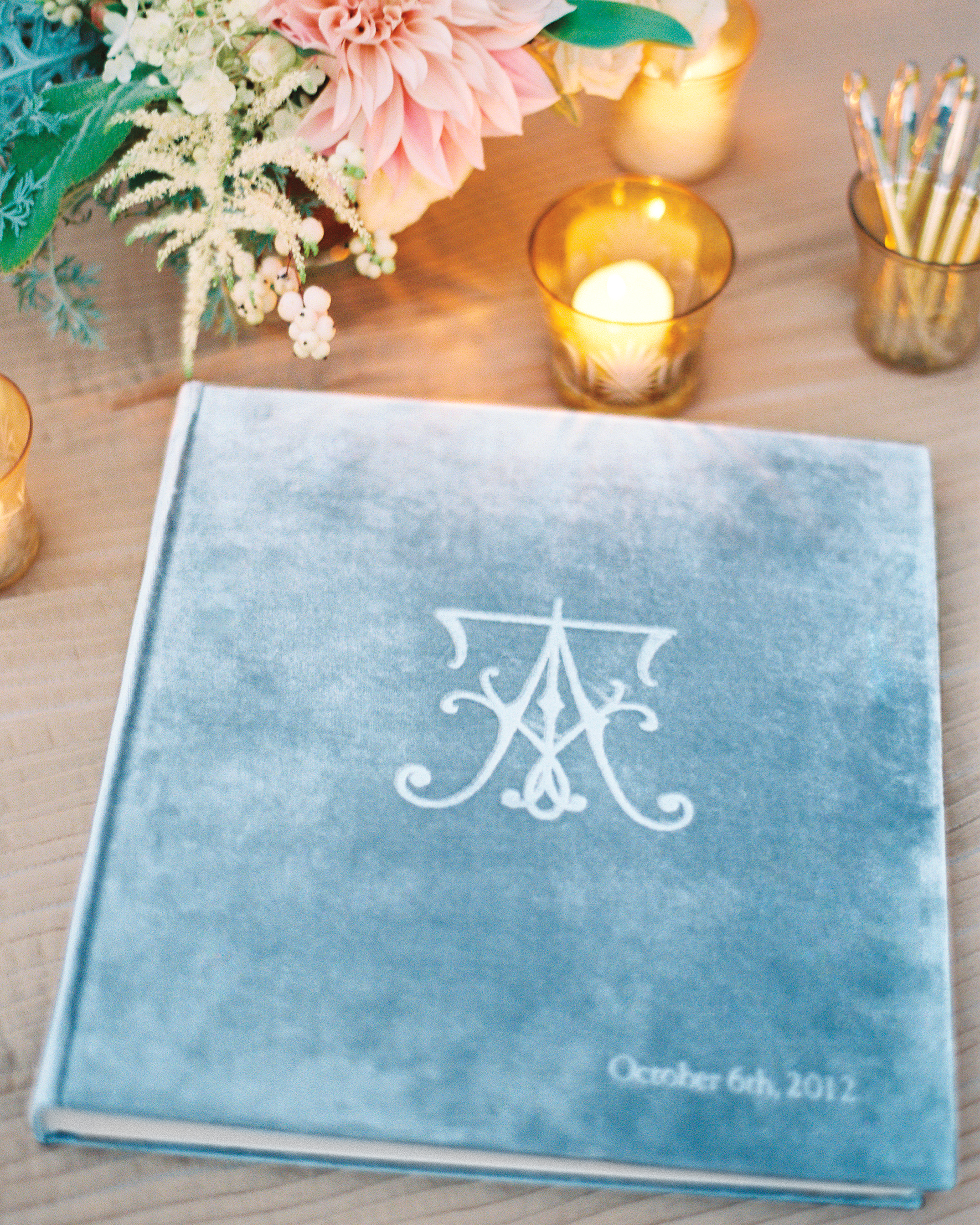 guestbook-votive-candle-flower-004885-r-016-mwds110148.jpg