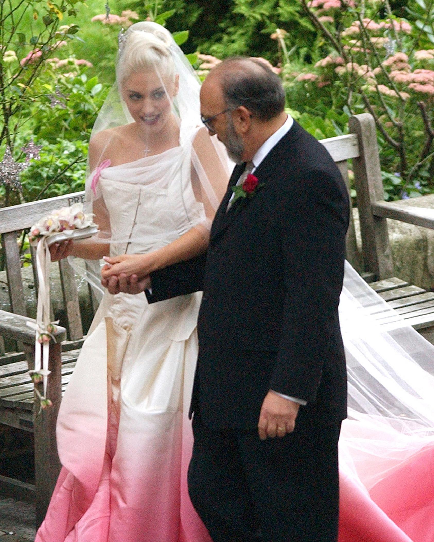 celebrity-brides-veils-gwen-stefani-gavin-rossdale-0615.jpg