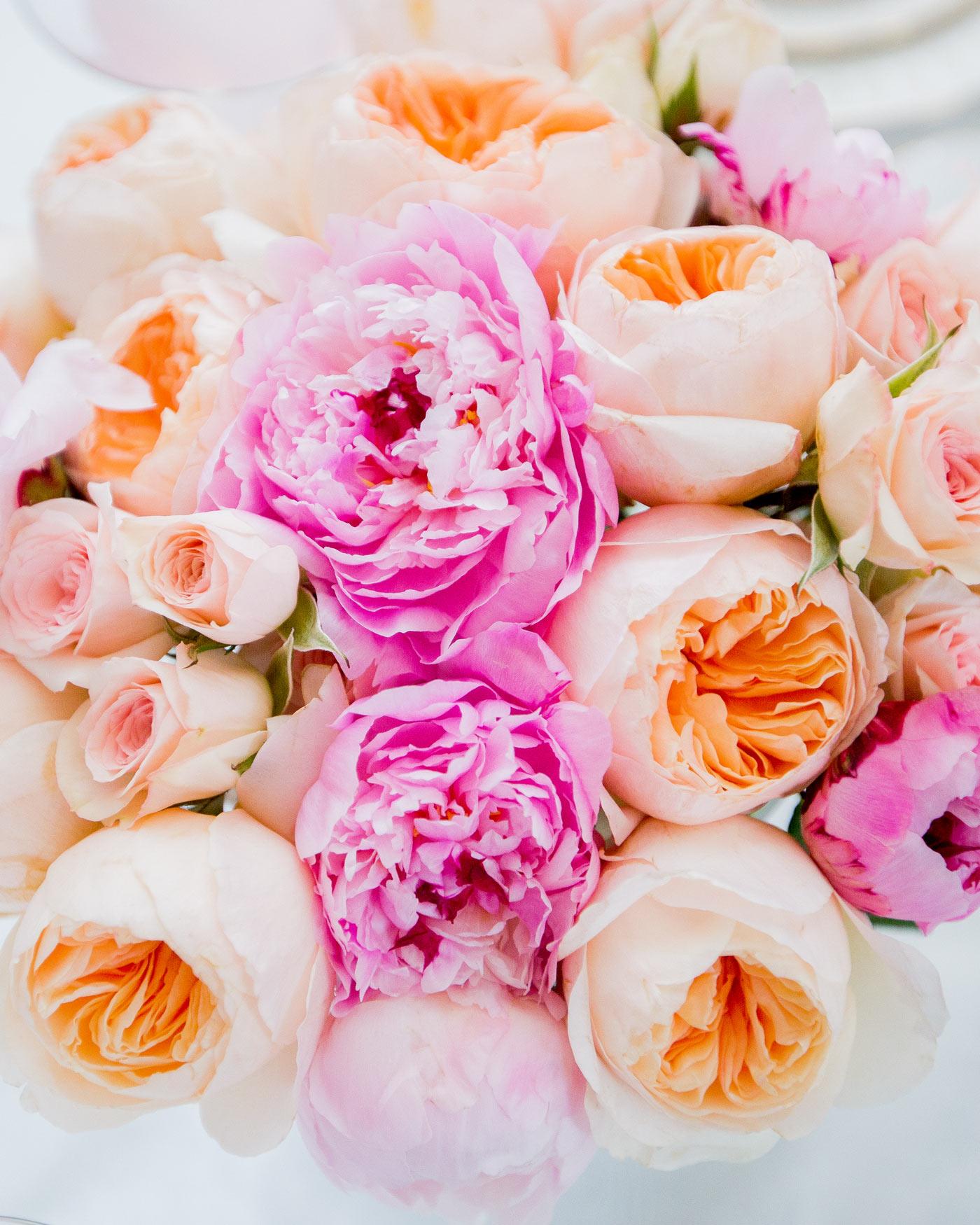 fashionable-hostess-bridal-shower-roses-0416.jpg
