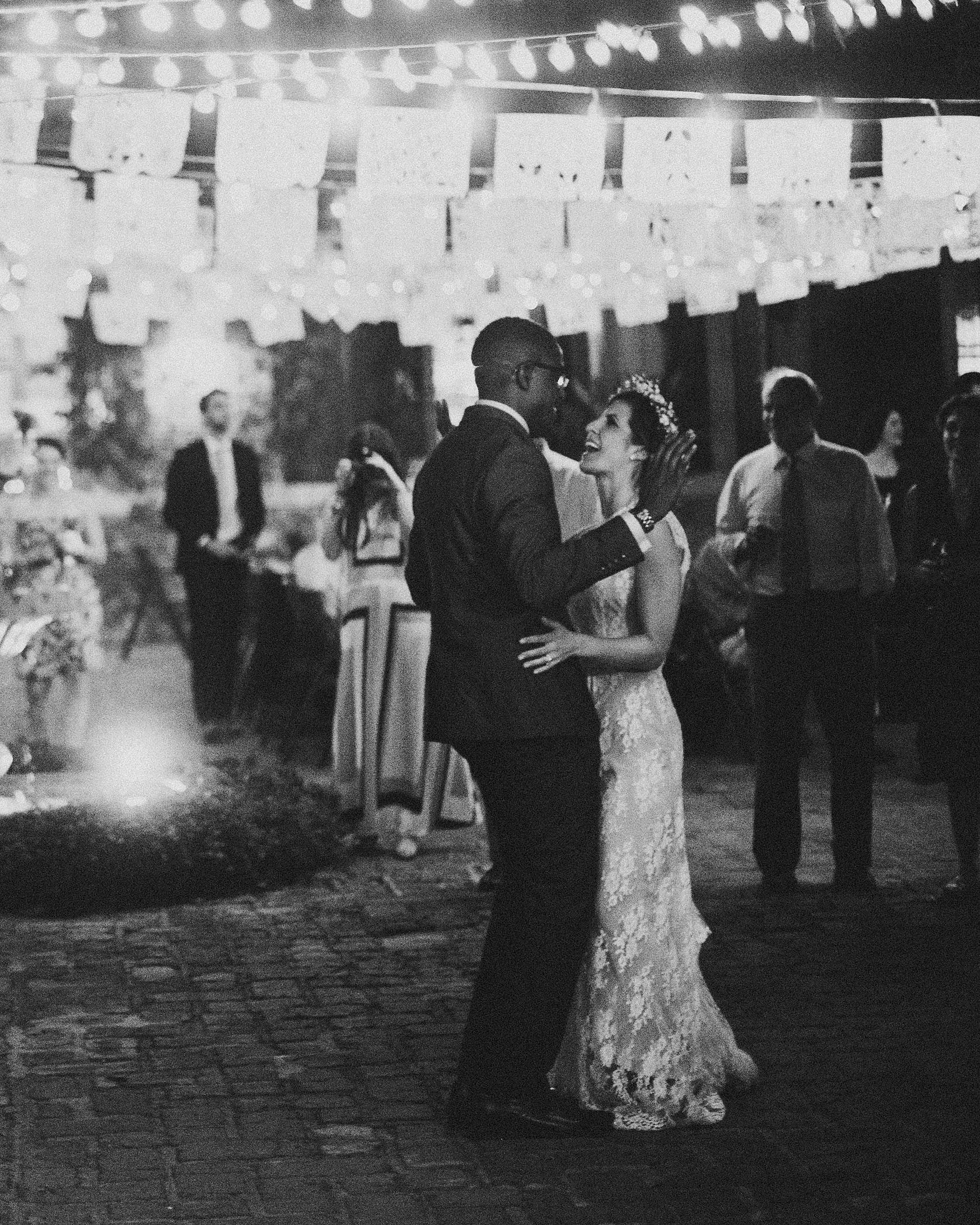 rebecca-eji-wedding-firstdance-518-s113057-0616.jpg