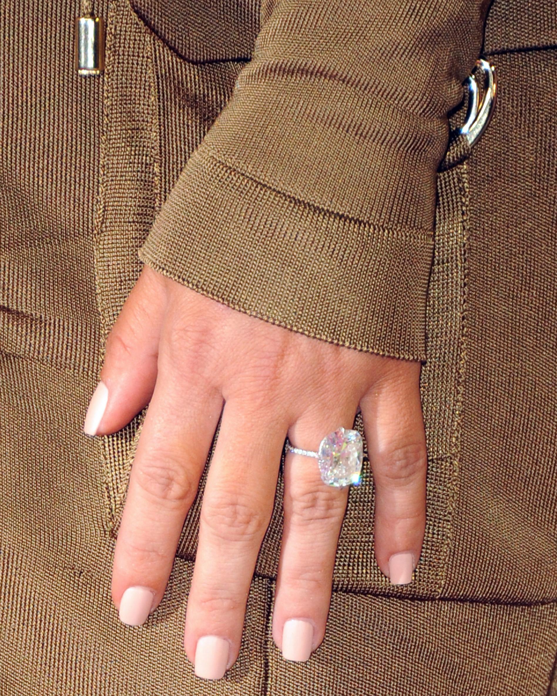 celebrity-engagement-rings-kim-kardashian-1015.jpg