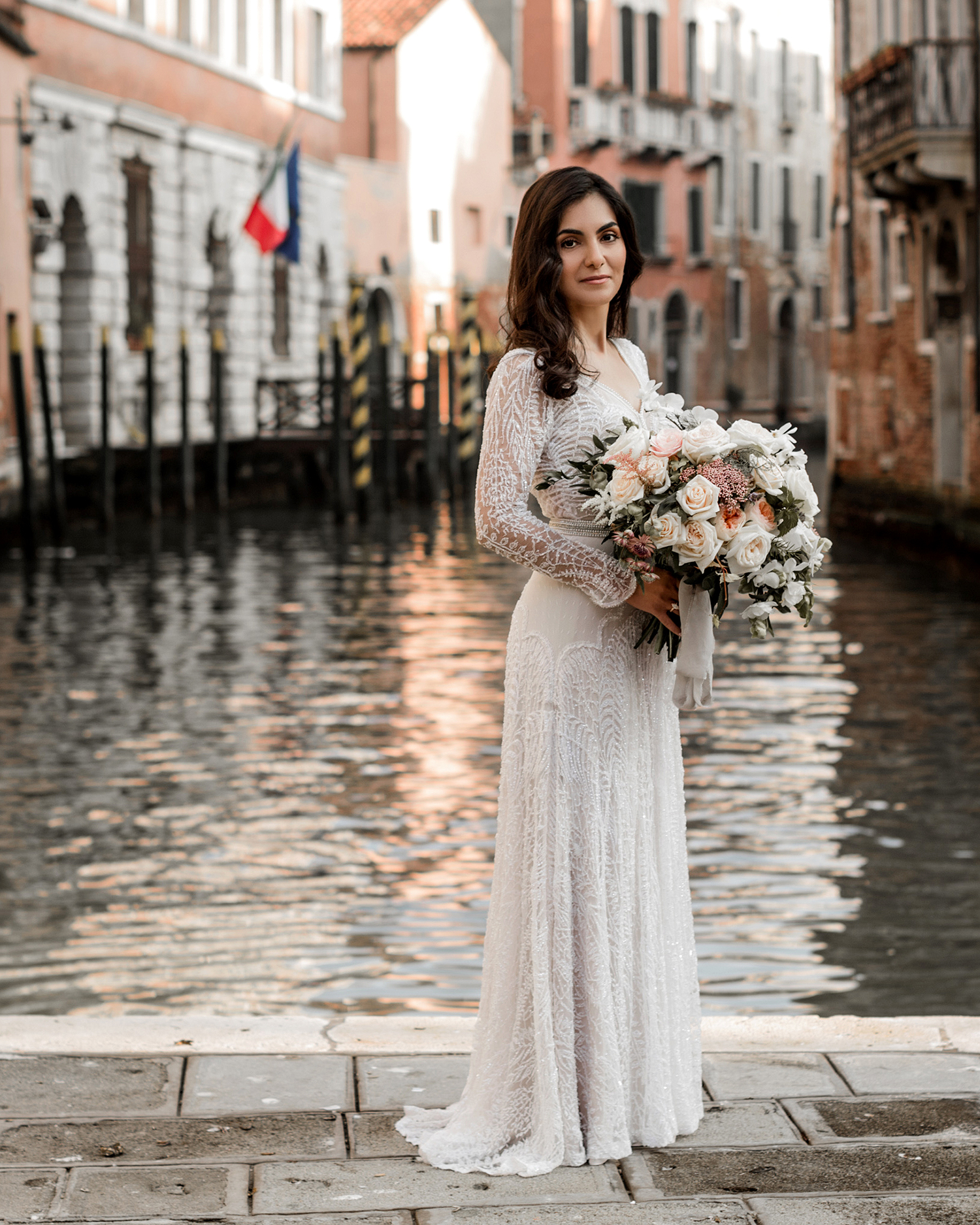 elle raymond venice wedding bridal bouquet