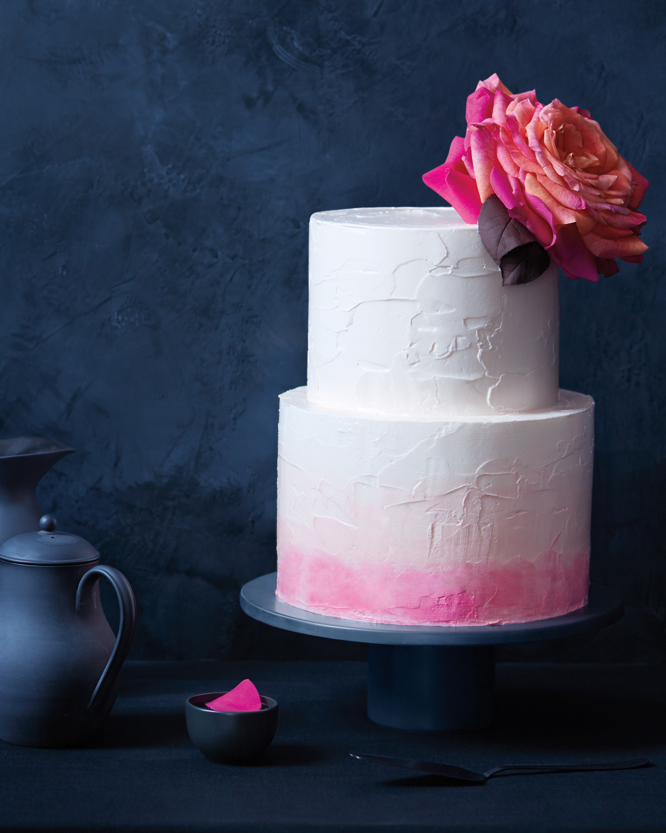 single-bloom-wedding-cake-066-d112282-comp.jpg