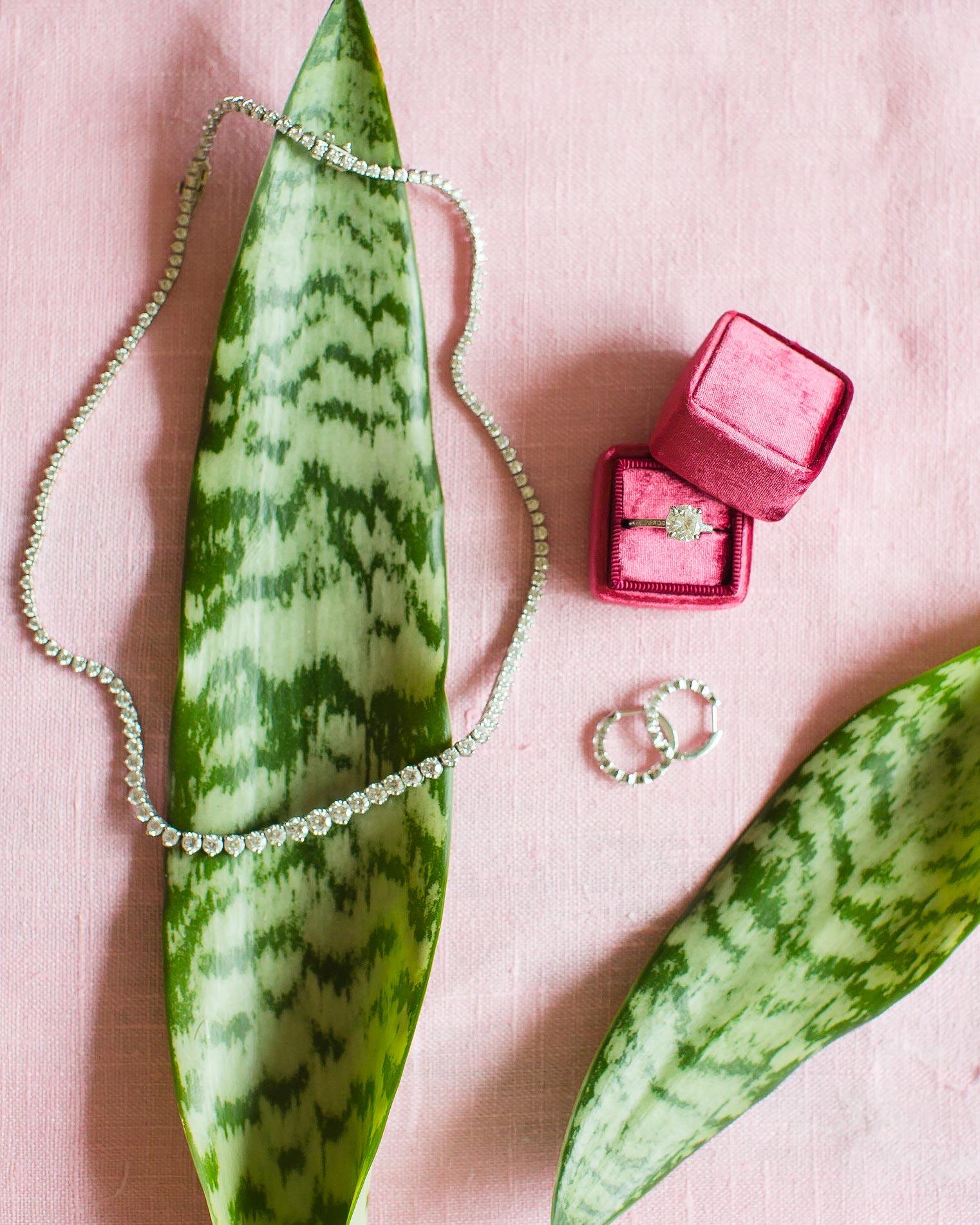 christen-tim-wedding-jewelry-20943-6143924-0816.jpg