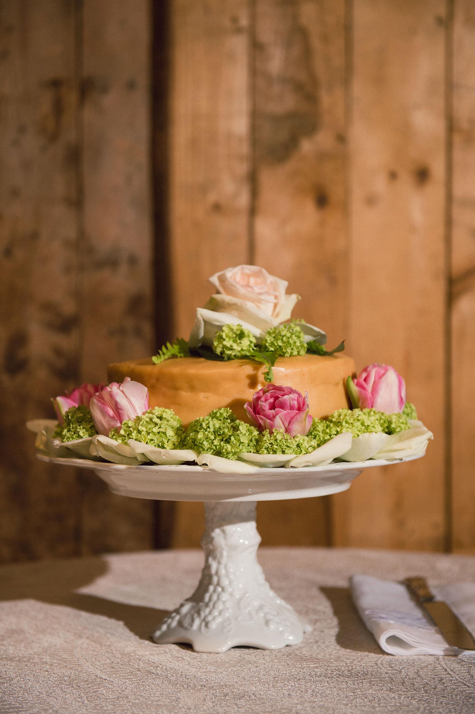 katy andrew wedding cake