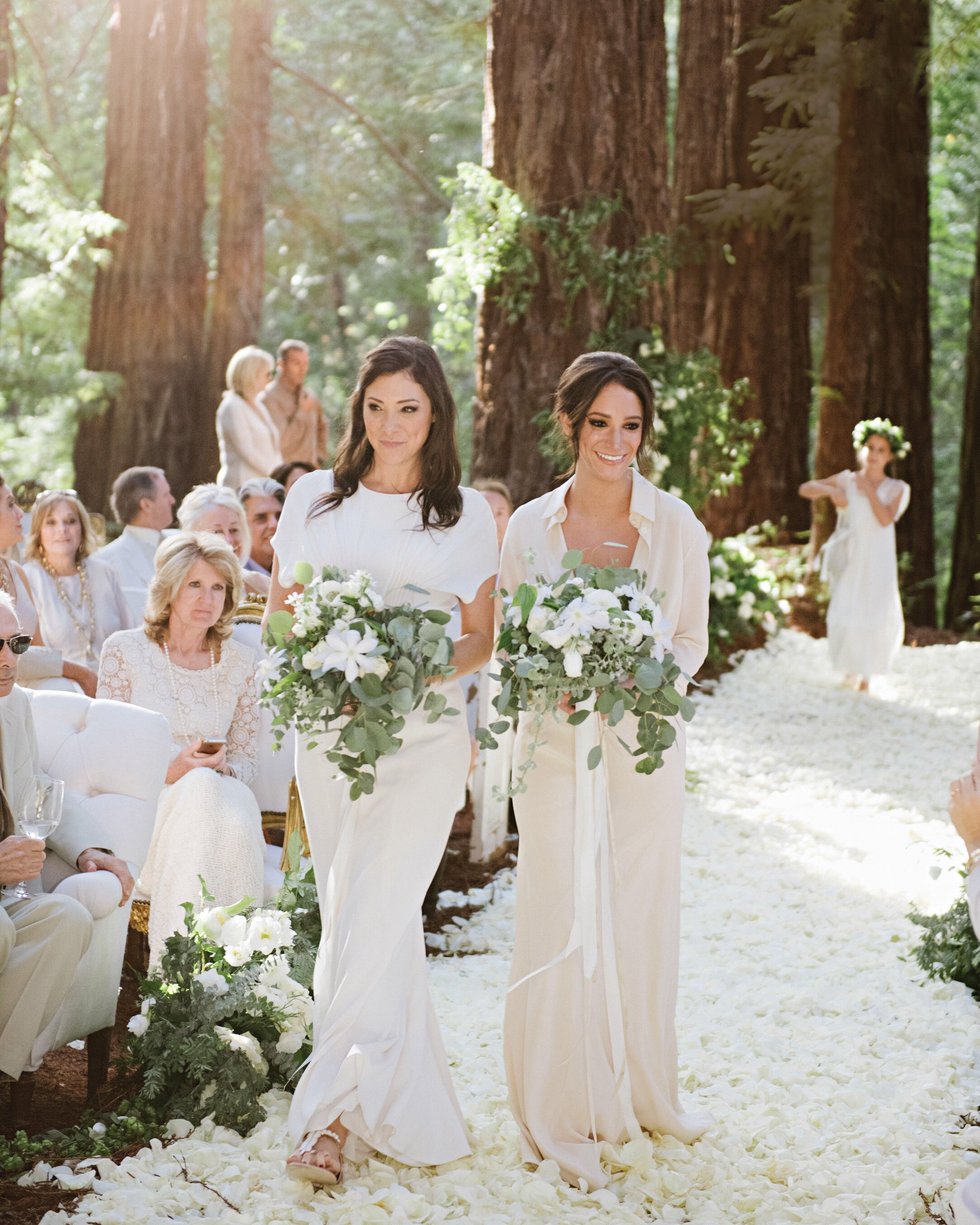 Here S How To Seamlessly Pull Off Having Two Maids Of Honor