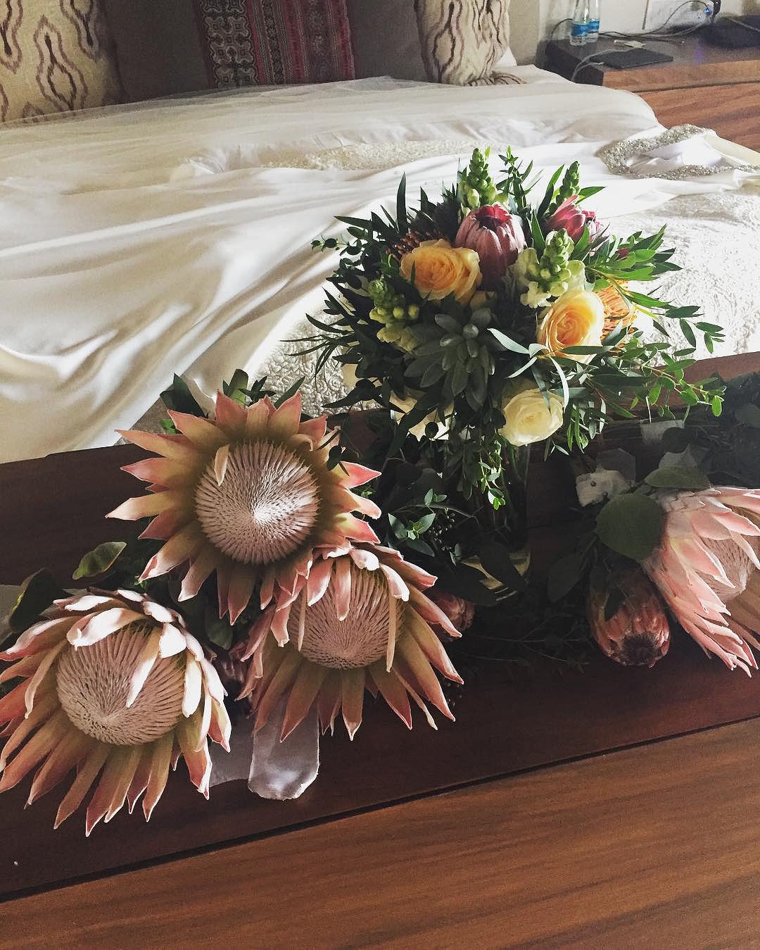 bob guiney jessica canyon wedding bouquets