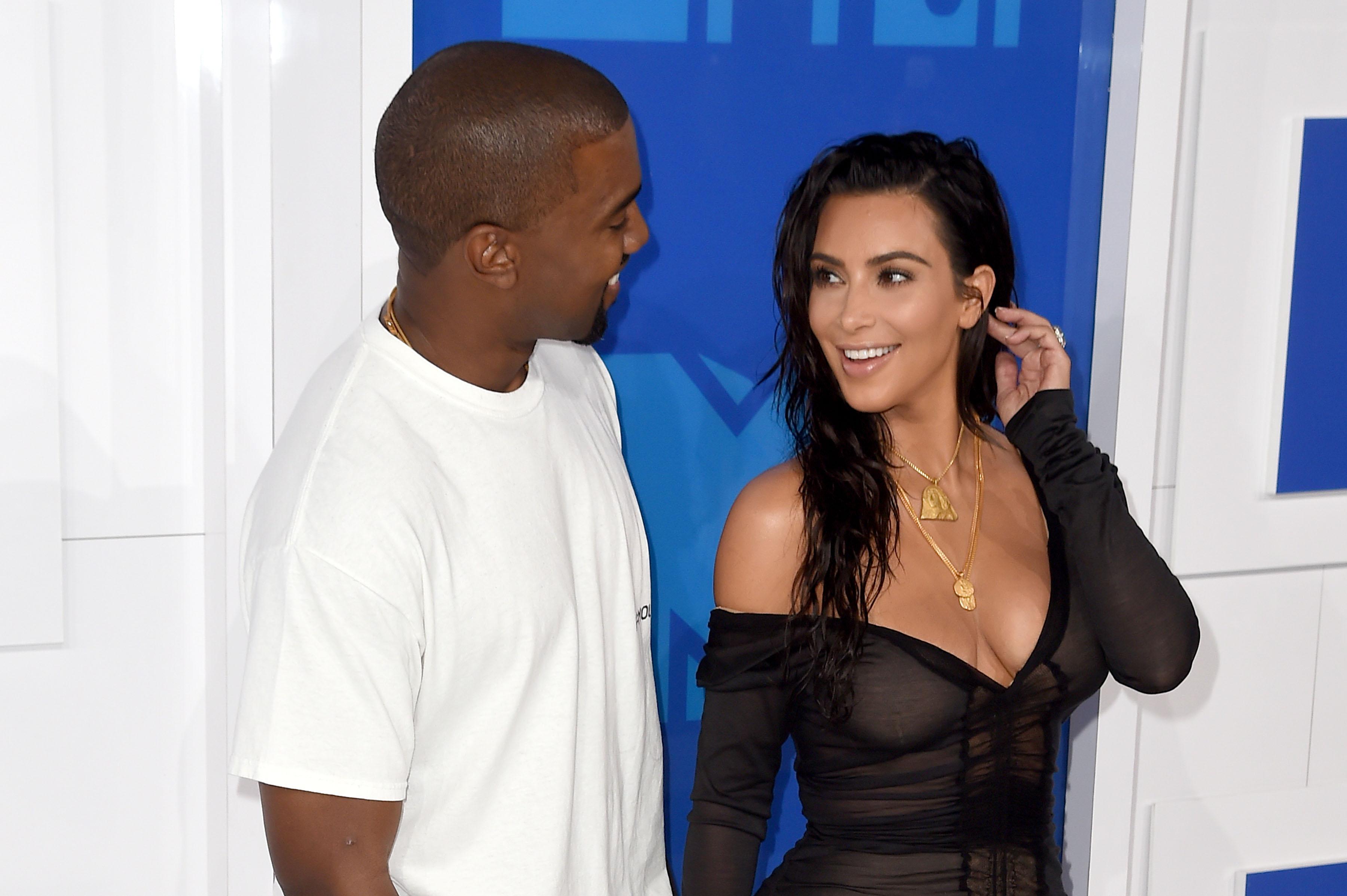 Kim Kardashian Kanye West VMAs 2016