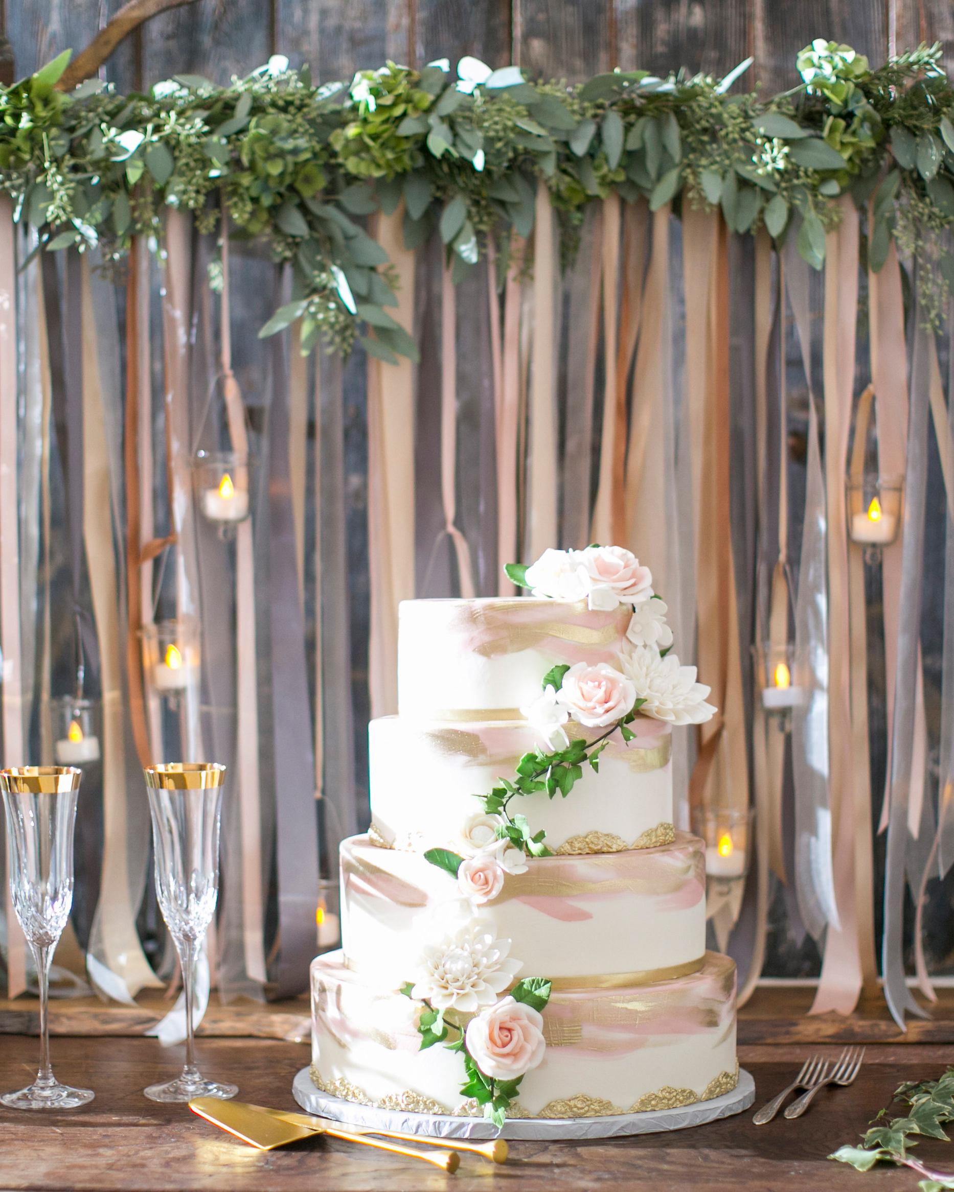 briana-adam-wedding-cake-1316-s112471-1215.jpg