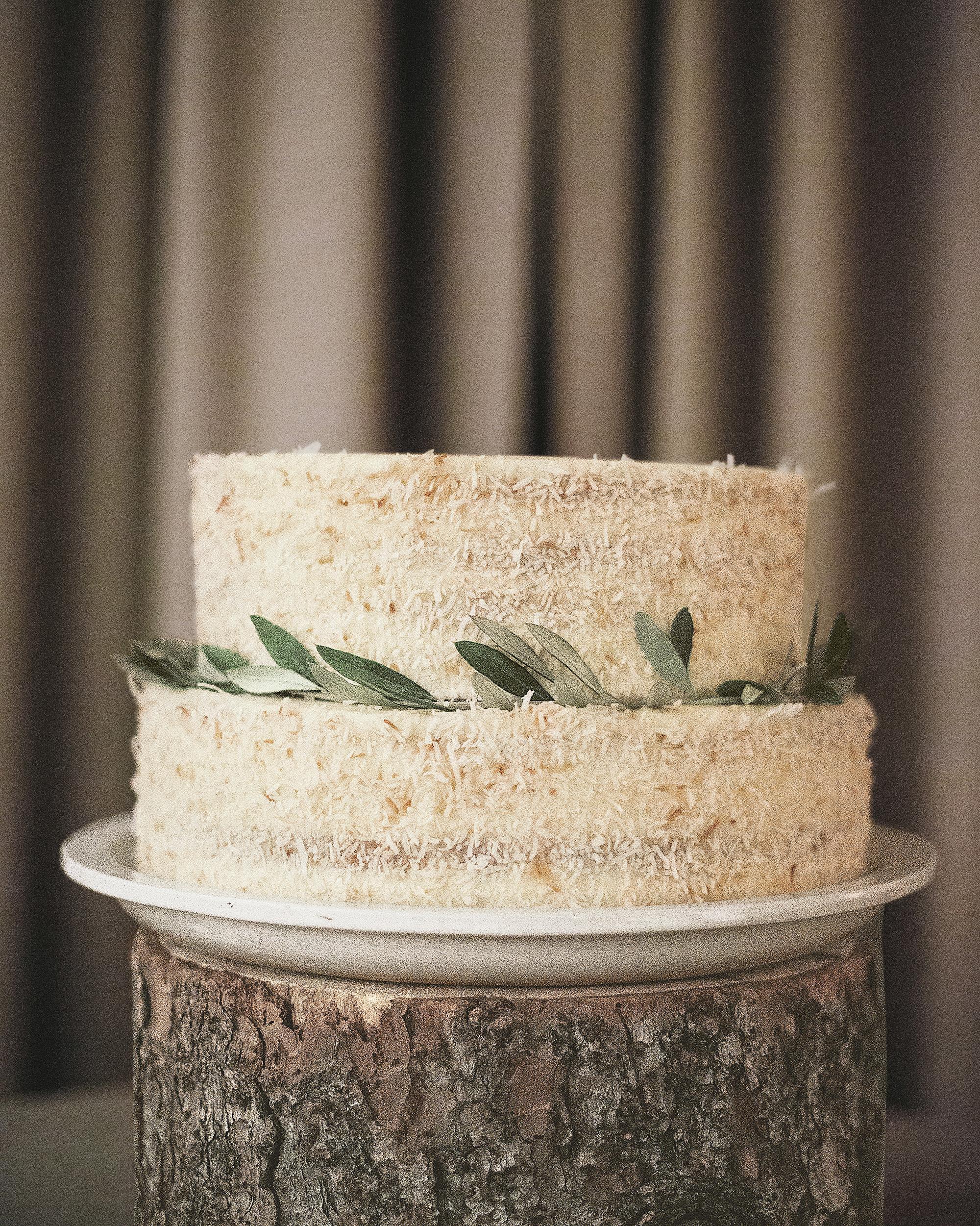 real-wedding-whitney-jordan--38a5264-ds111145.jpg
