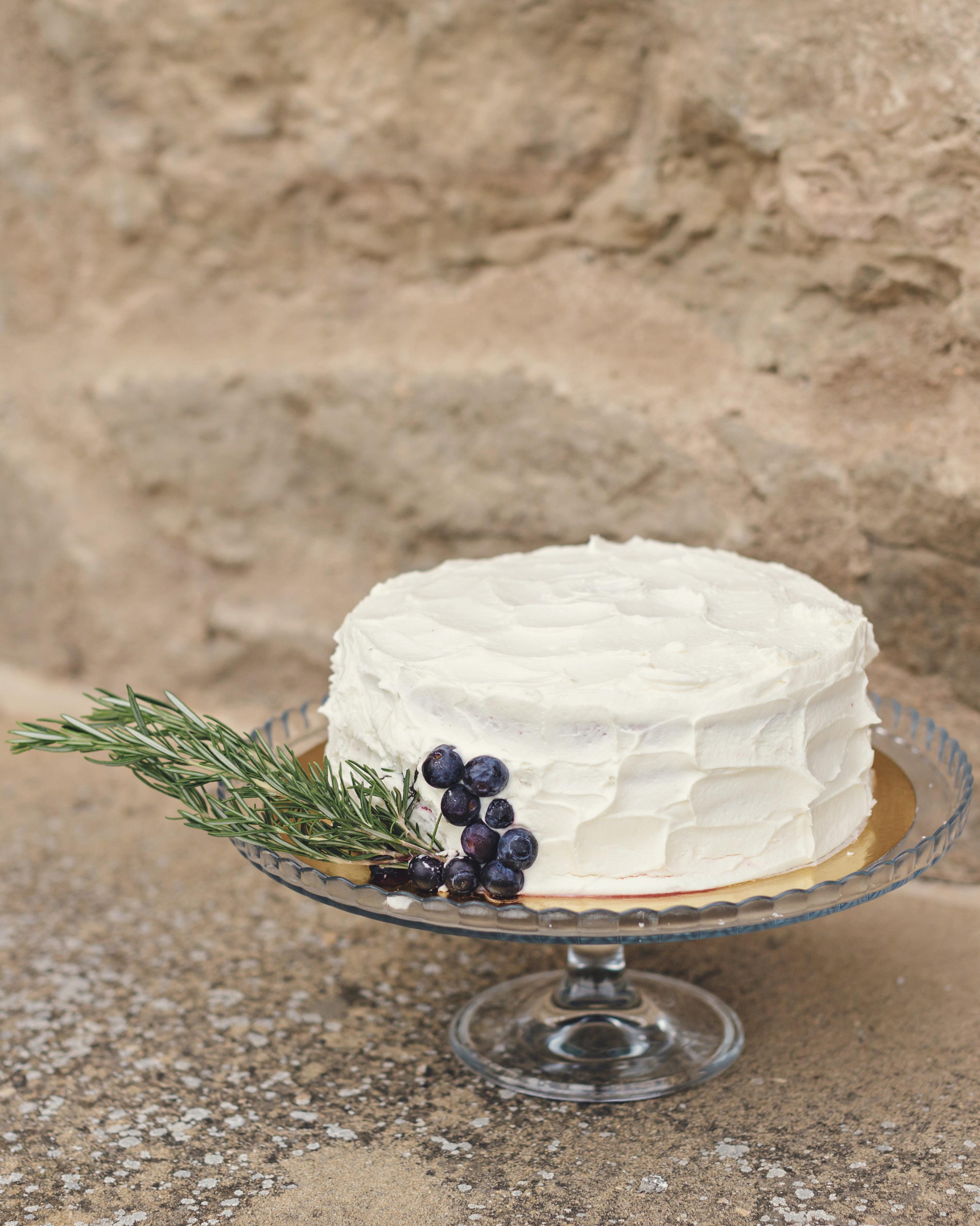 anna-ania-wedding-cake-078-s112510-0216.jpg