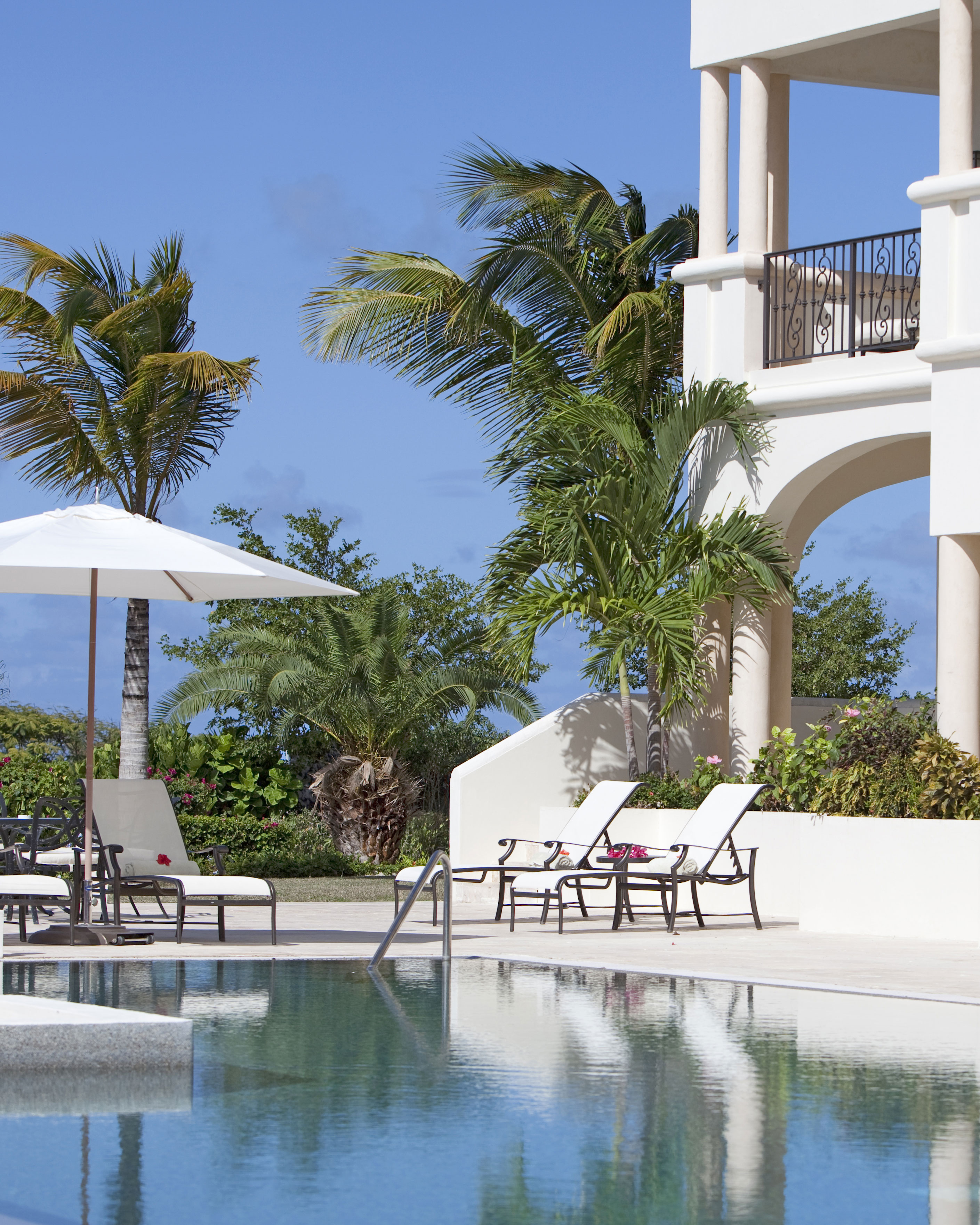 romantic caribbean destination antigua barbuda blue waters