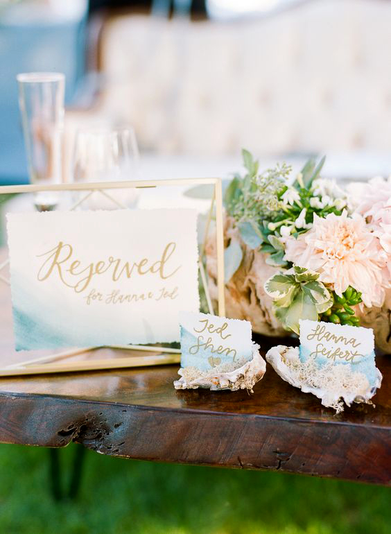 seashell place card holder