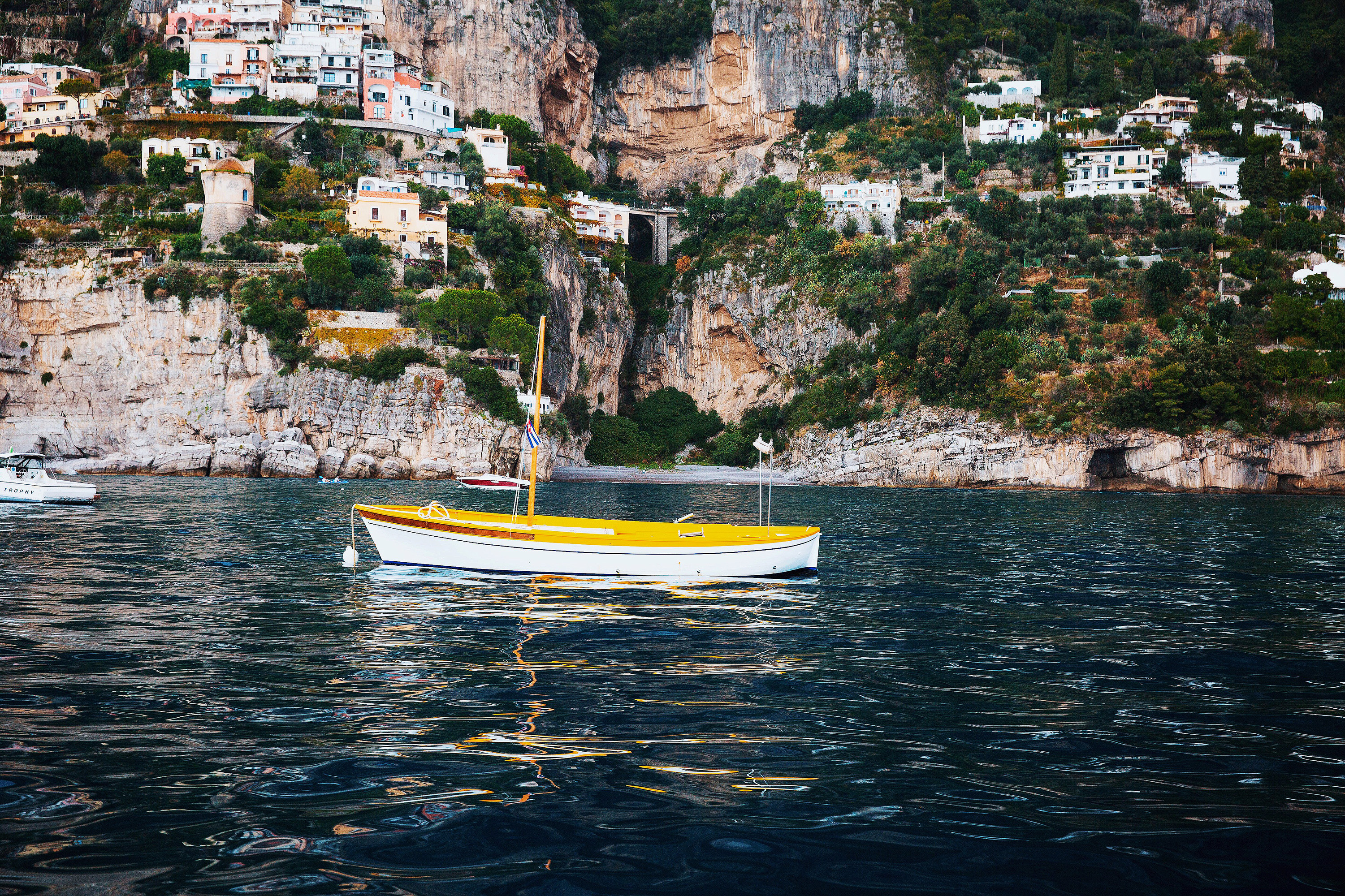 louise roe honeymoon italy boat water