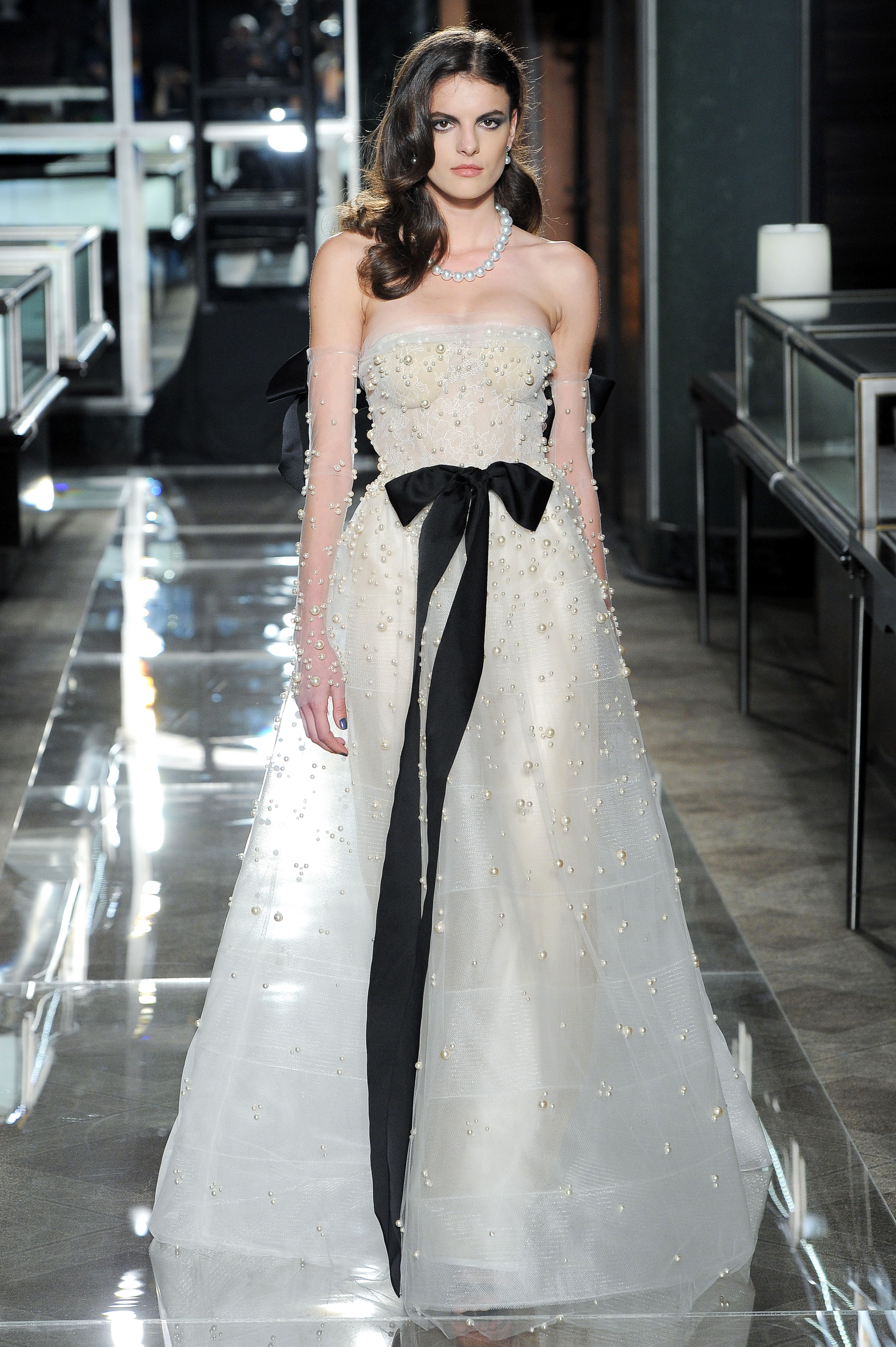 reem acra spring 2018 a-line wedding dress with black bow