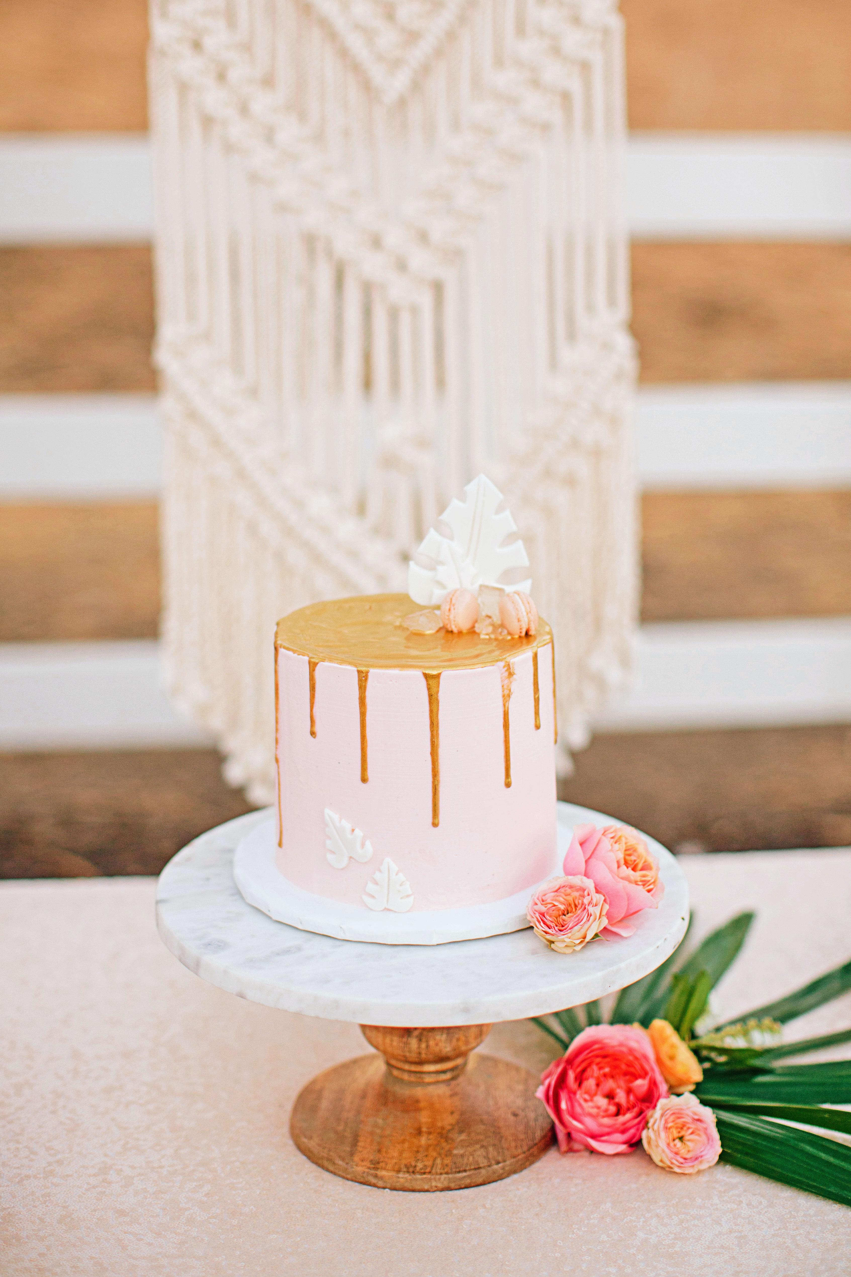 stephanie jared wedding cake