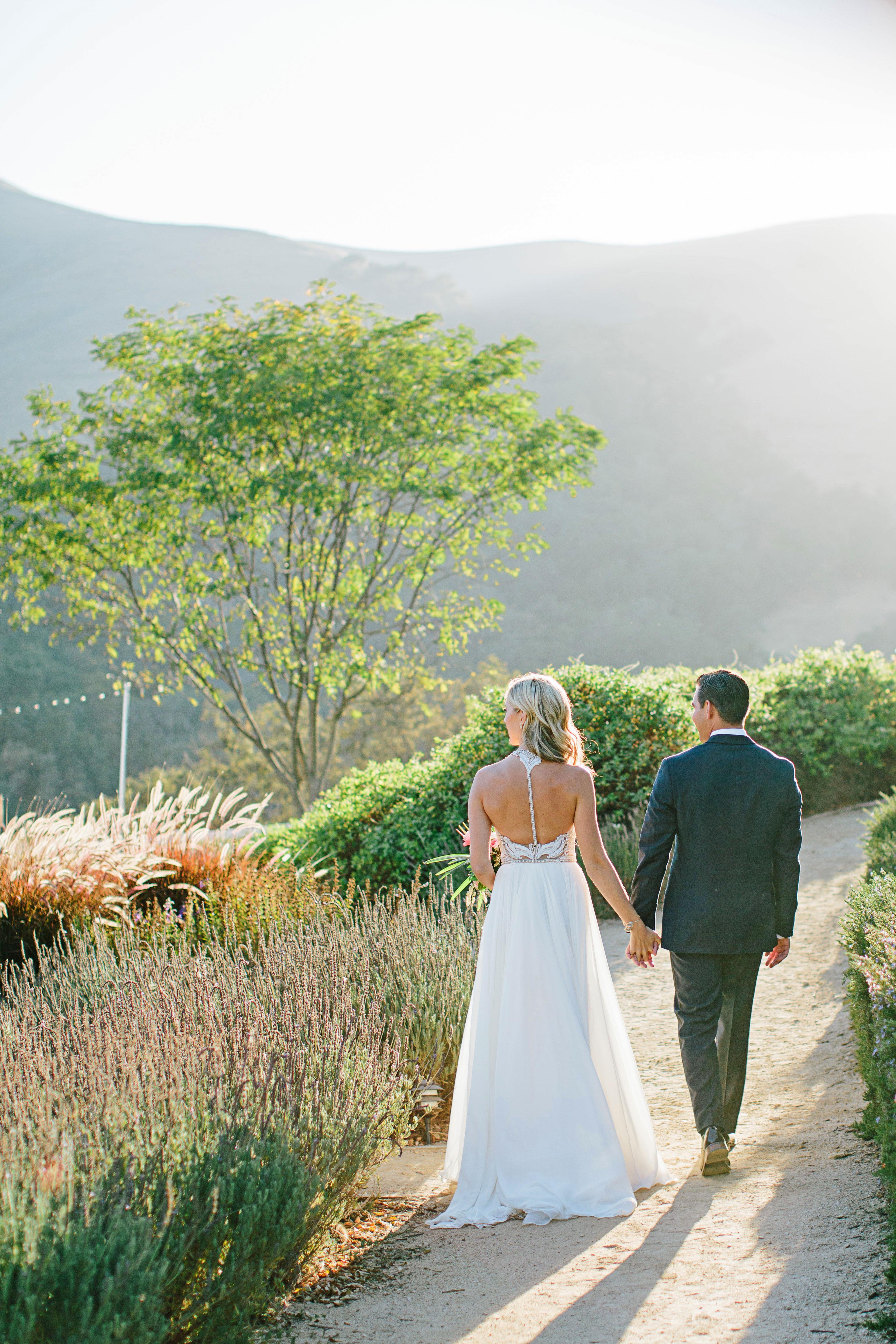 stephanie jared wedding couple on road