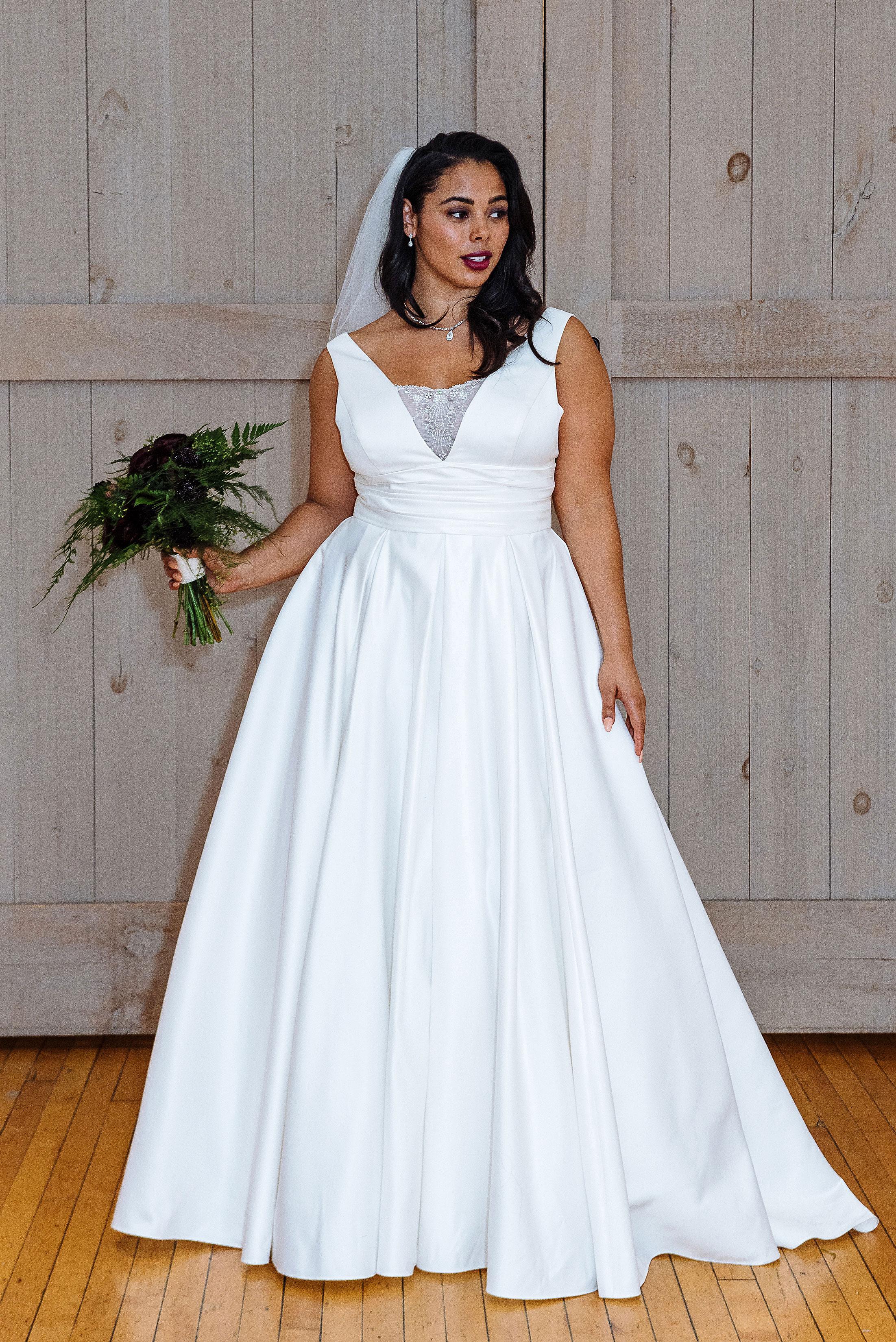 david's bridal v-neck with veil wedding dress spring 2018