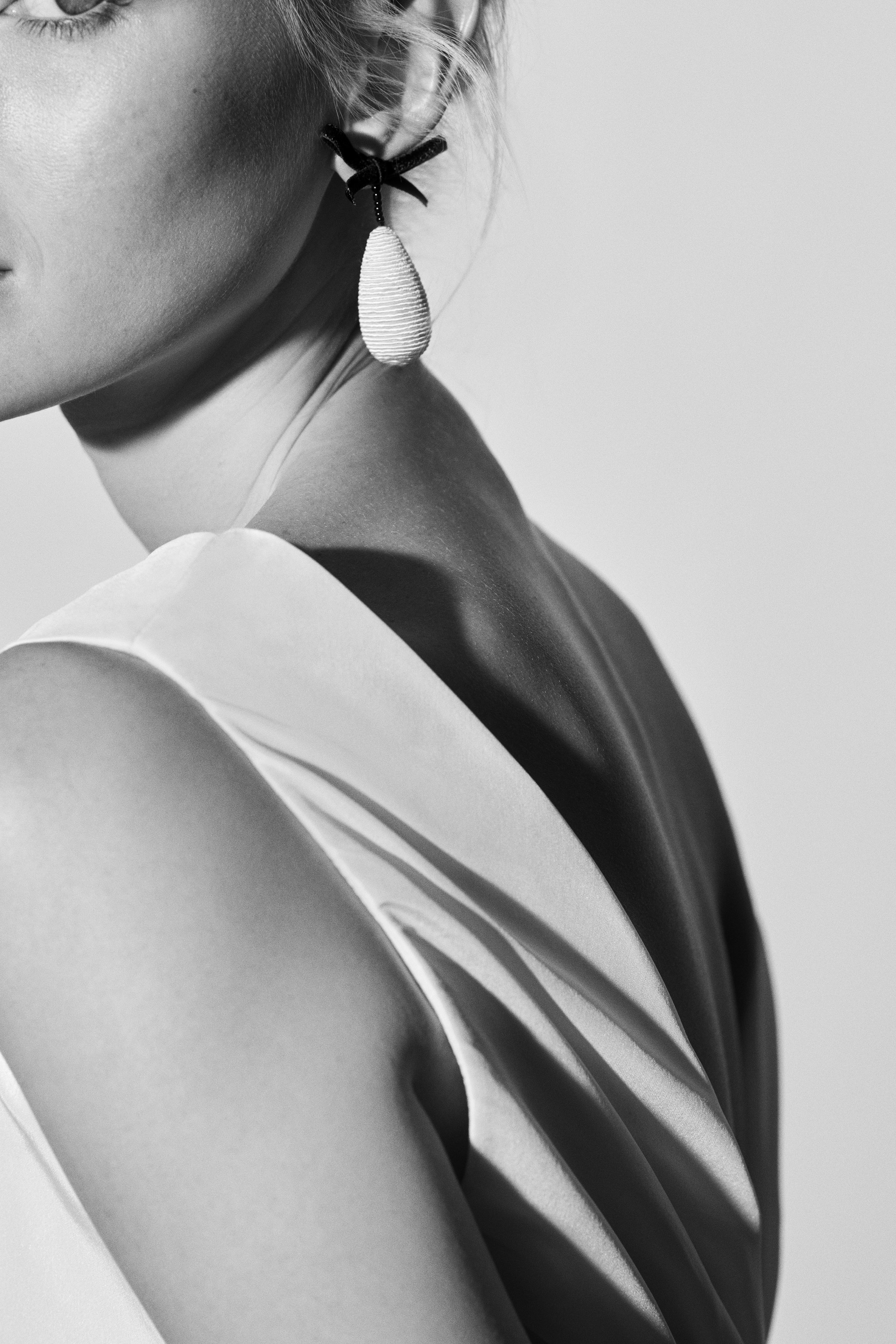 sleeveless Carolina Herrera Wedding Dress Spring2018