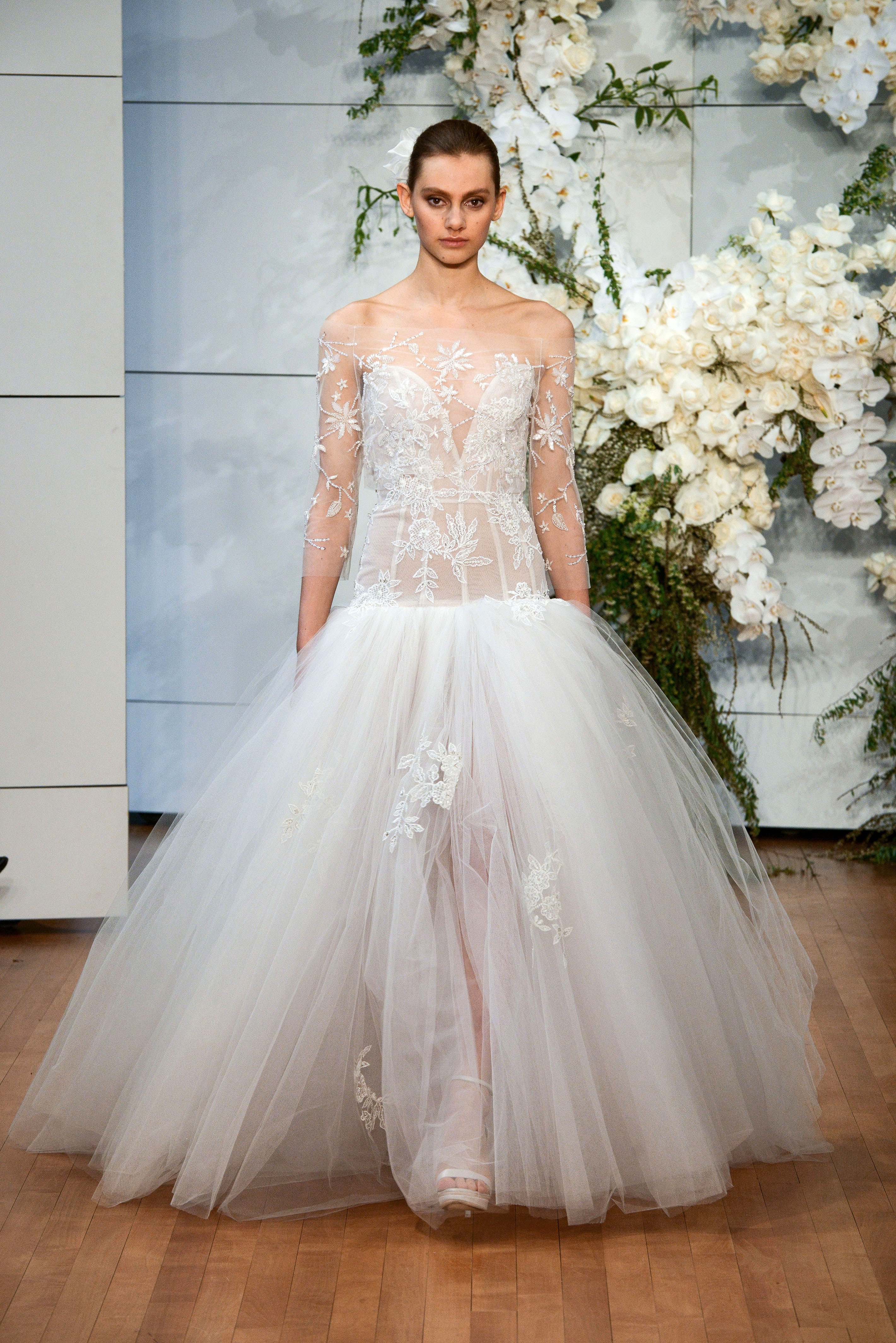 monique lhuillier sweetheart tulle wedding dress spring 2018