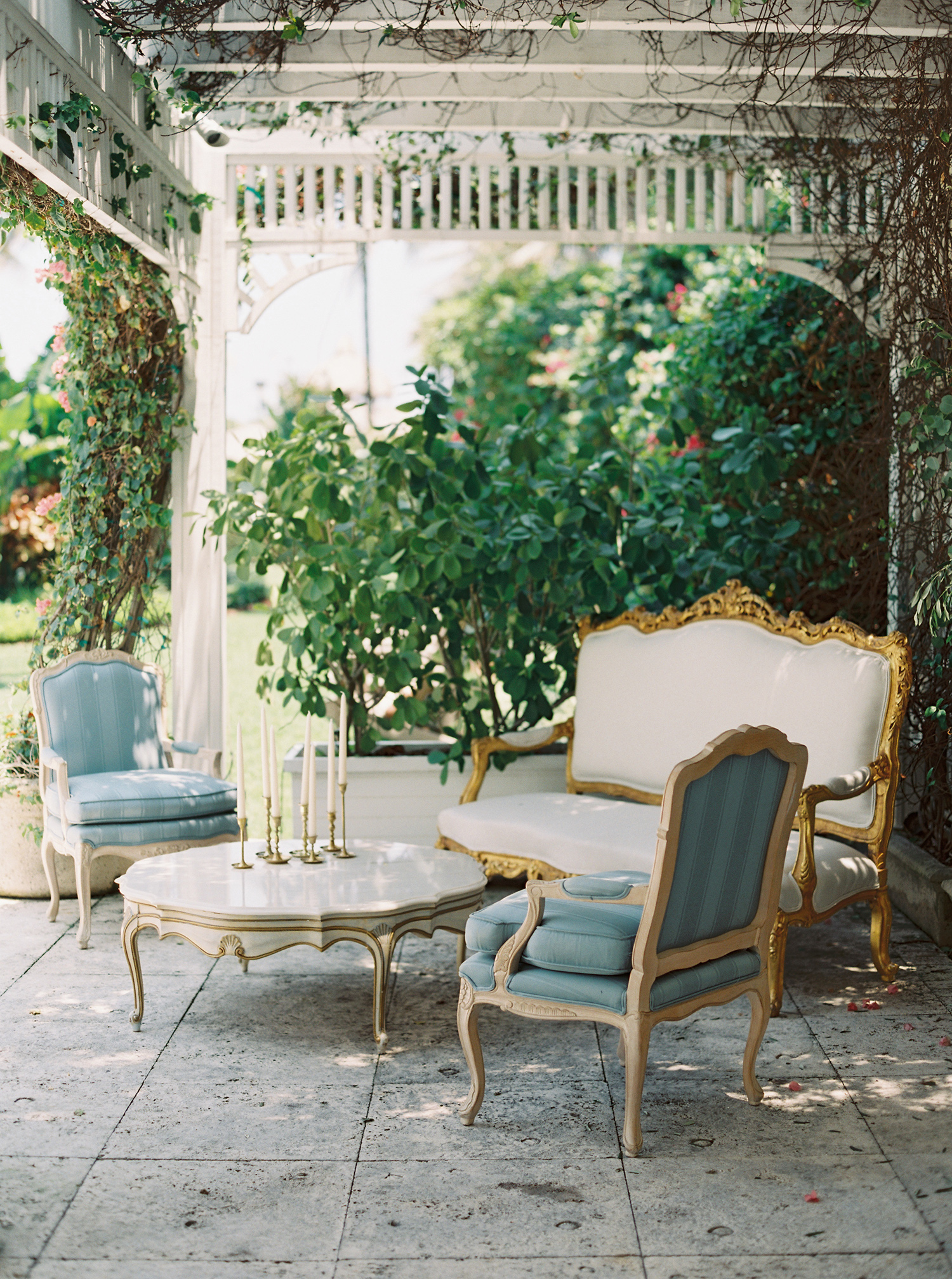 wedding lounge victorian chairs, couch, and table outdoor