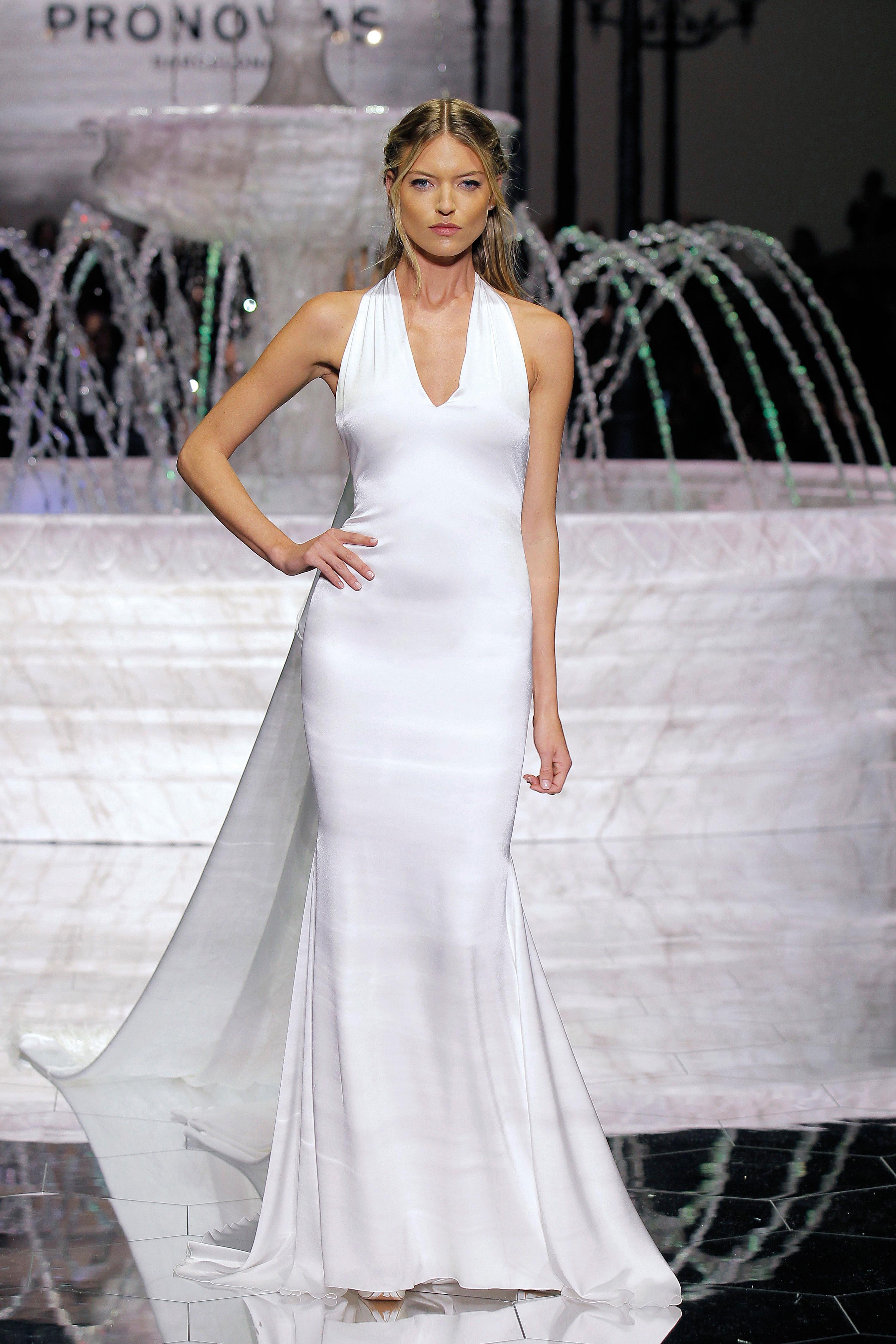 pronovias simple v-neck wedding dress spring 2018