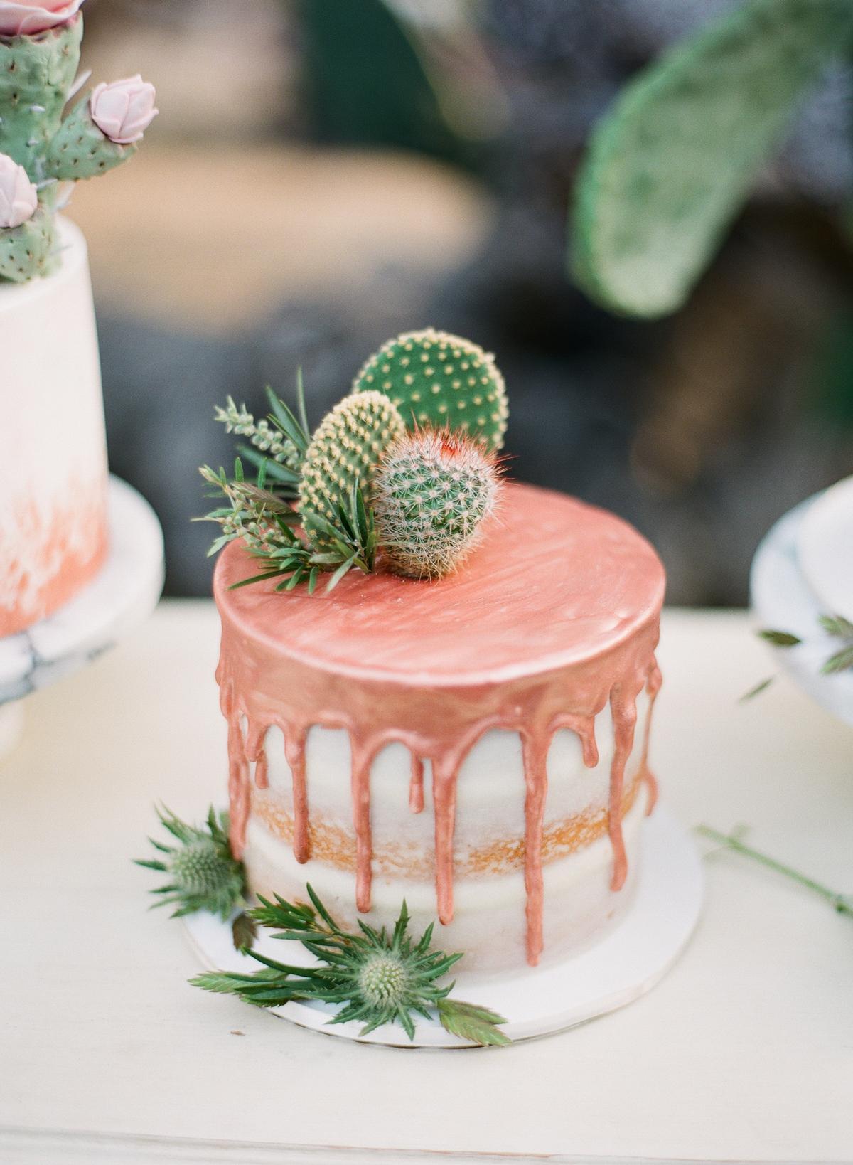 rose gold wedding ideas wedding cake with cacti