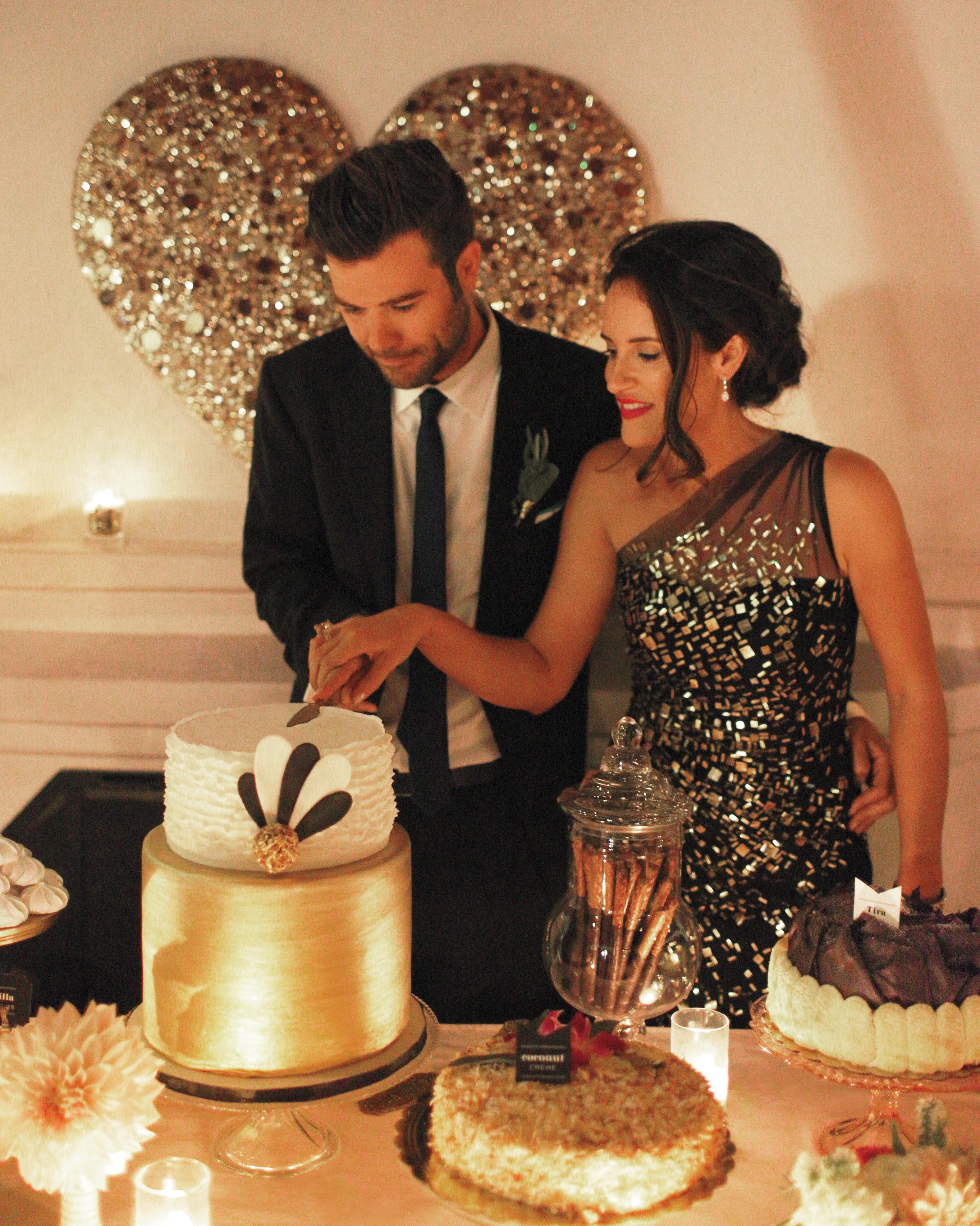 cake-cutting-002-mwd109359.jpg