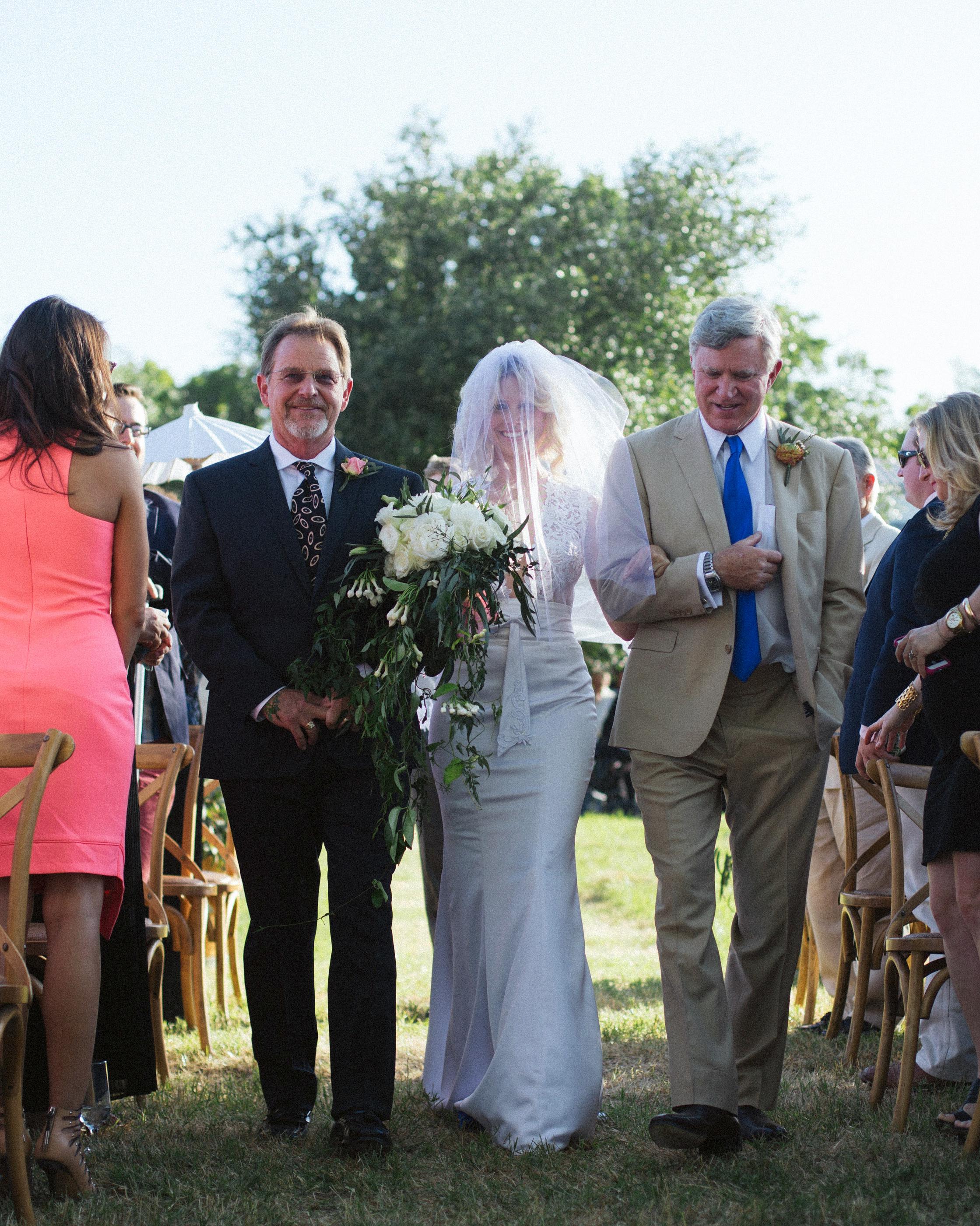 leah-michael-wedding-processional-0722-s111861-0515.jpg