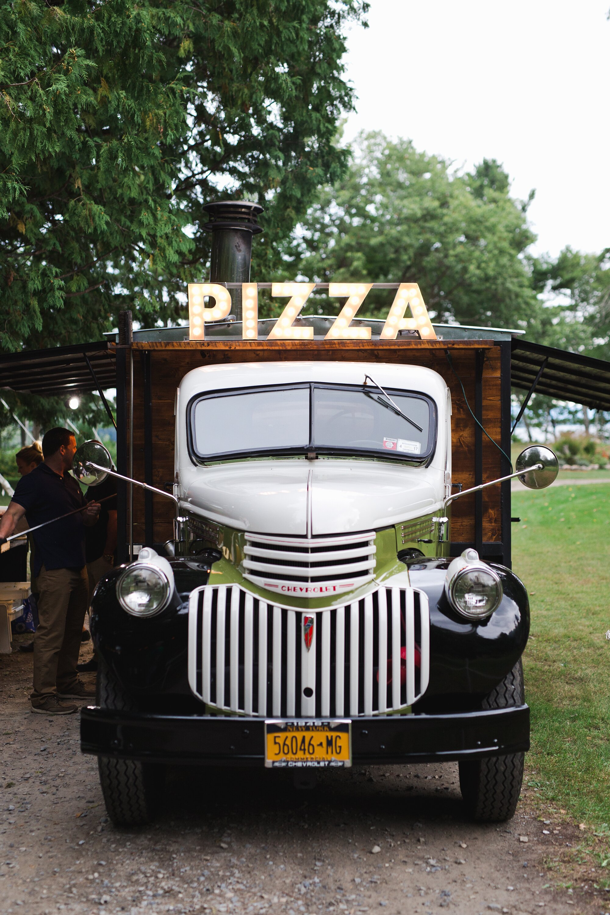 26 Delicious Wedding Ideas For Couples Crazy About Pizza Martha