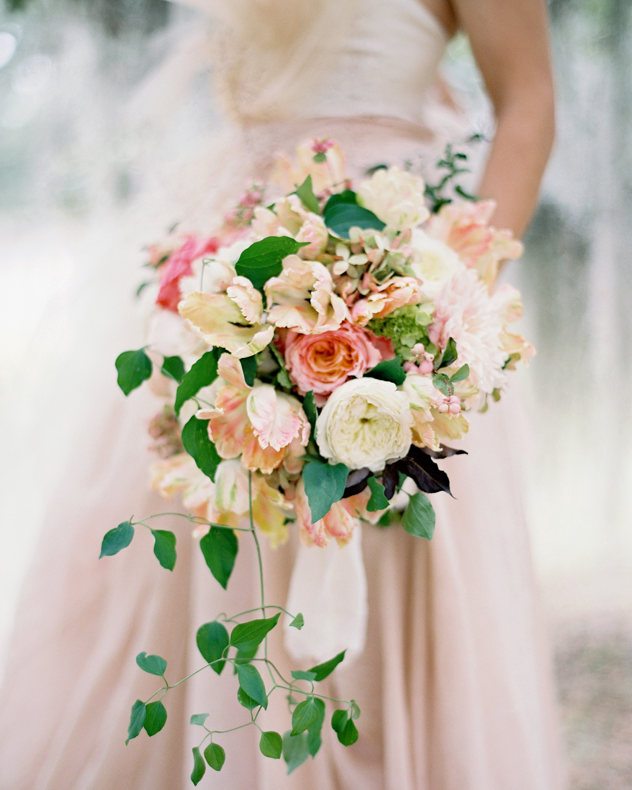 heat resistant bouquets garden roses and poppies