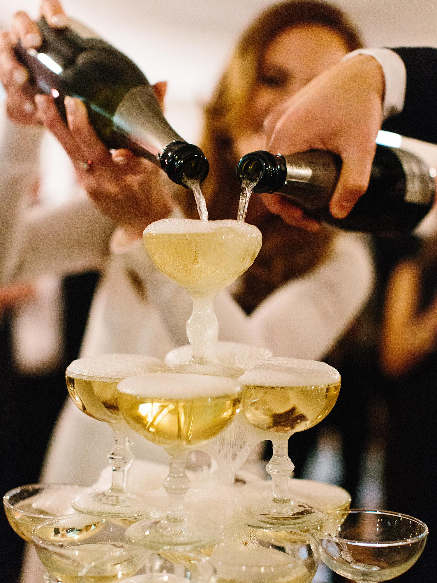 joanna-jay-wedding-nye-champagnetower-103-6327390-0517