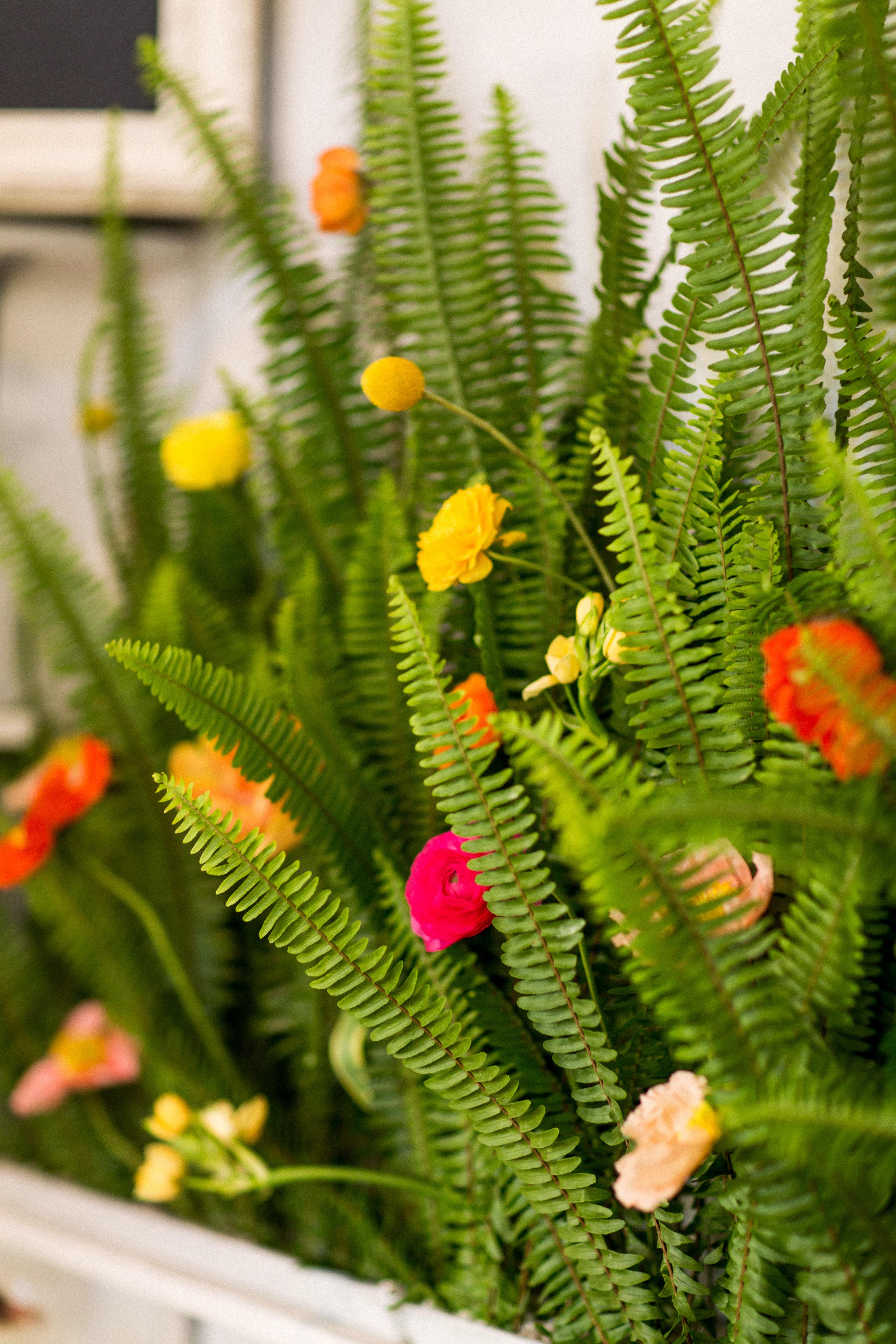 kara bridal shower flowers close up