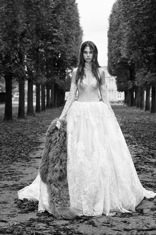 vera wang fall 2018 high neck lace wedding dress