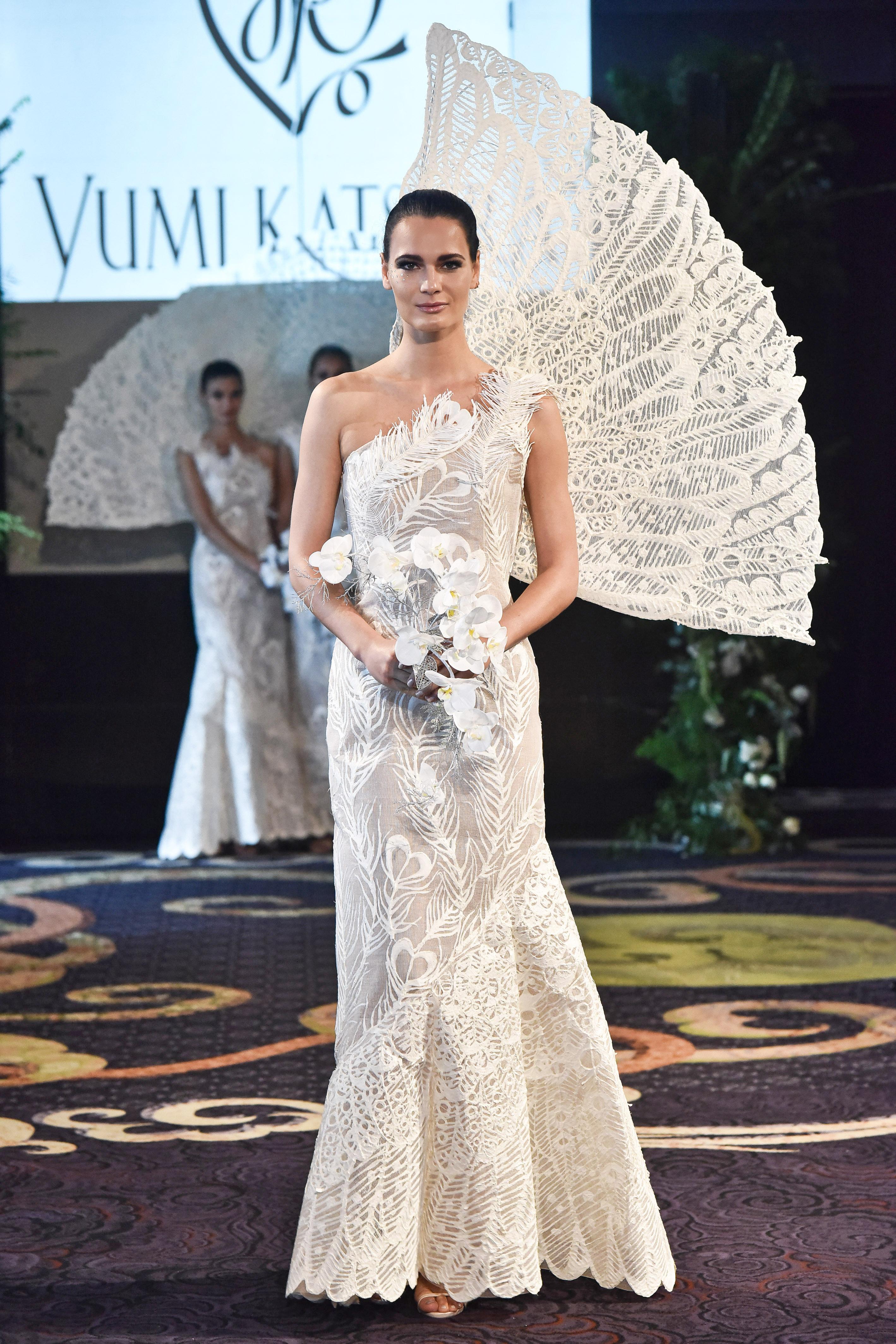 yumi katsura white one-strap trumpet with feather applique wedding dress fall 2018
