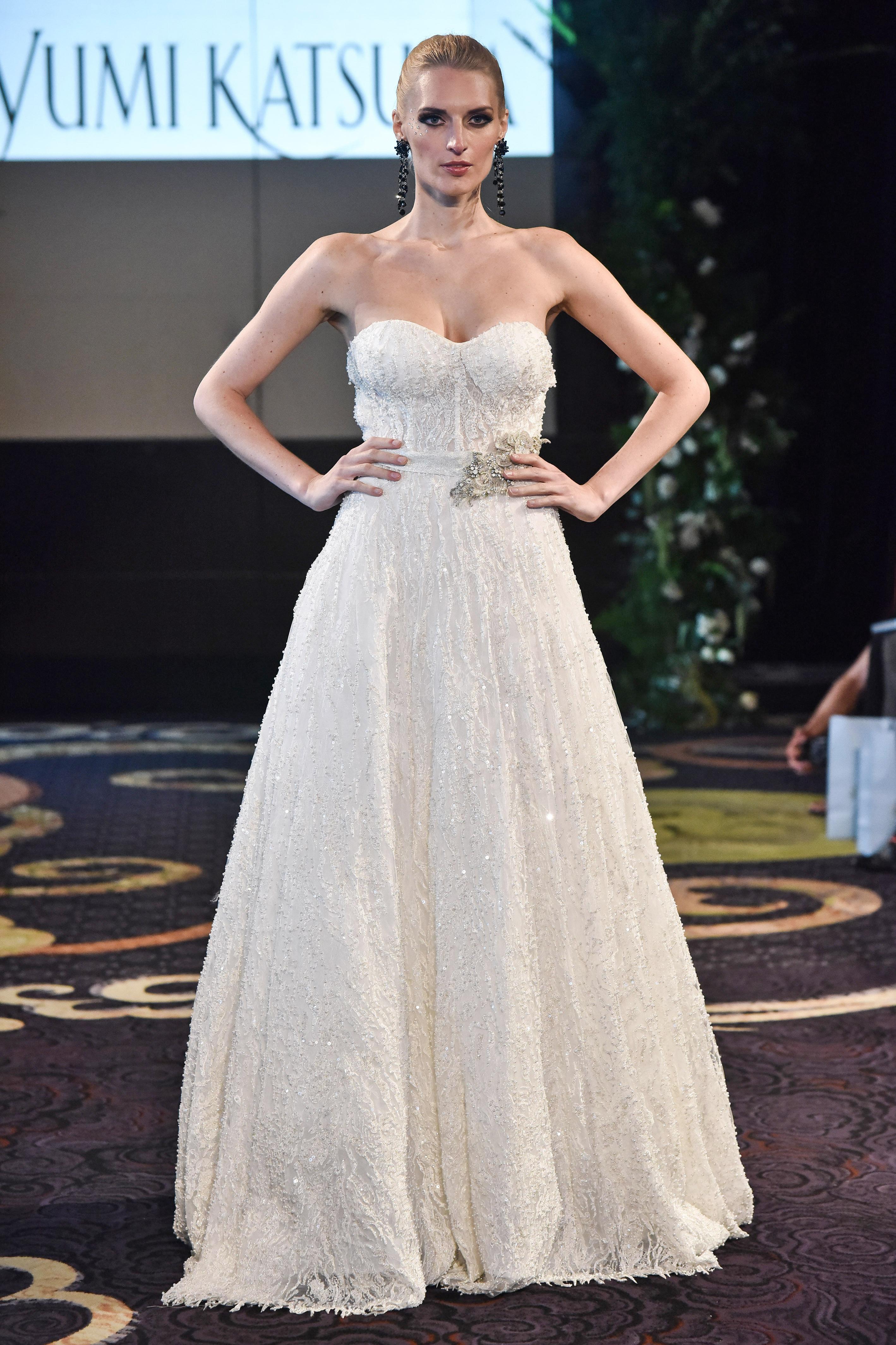 yumi katsura strapless a-line wedding dress fall 2018