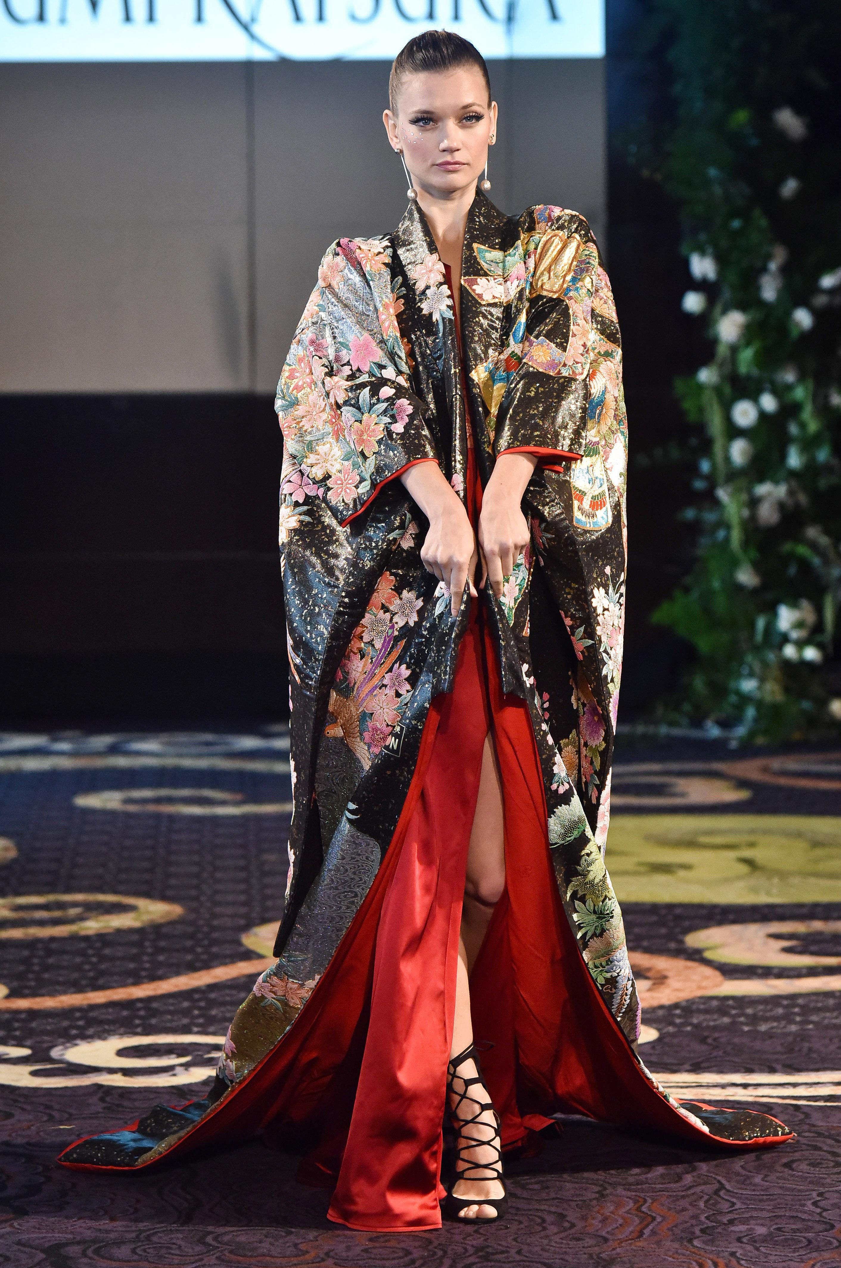 yumi katsura black and red floral silk kimono robe wedding dress fall 2018