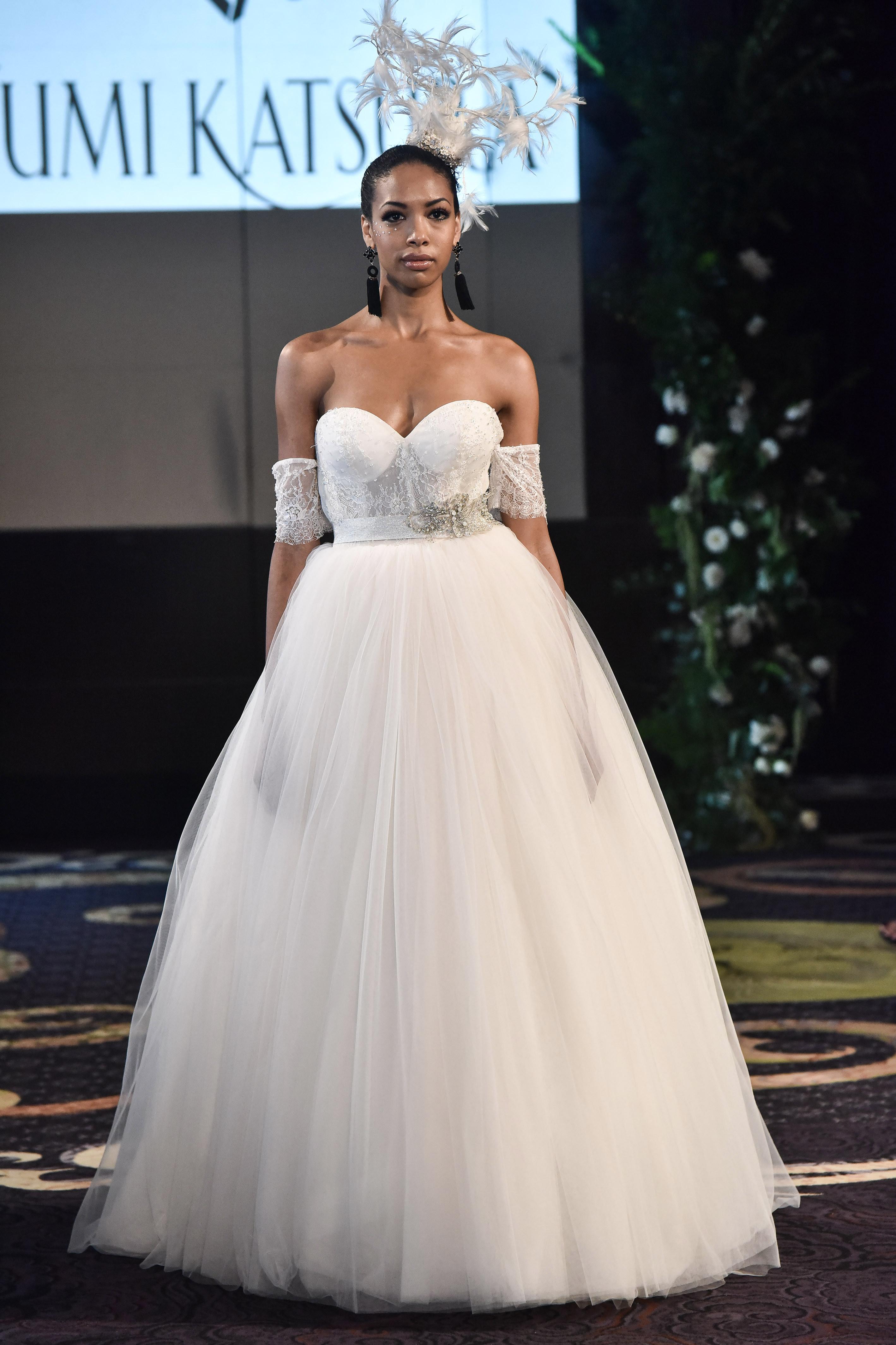 yumi katsura fall 2018 sweetheart ballgown wedding dress