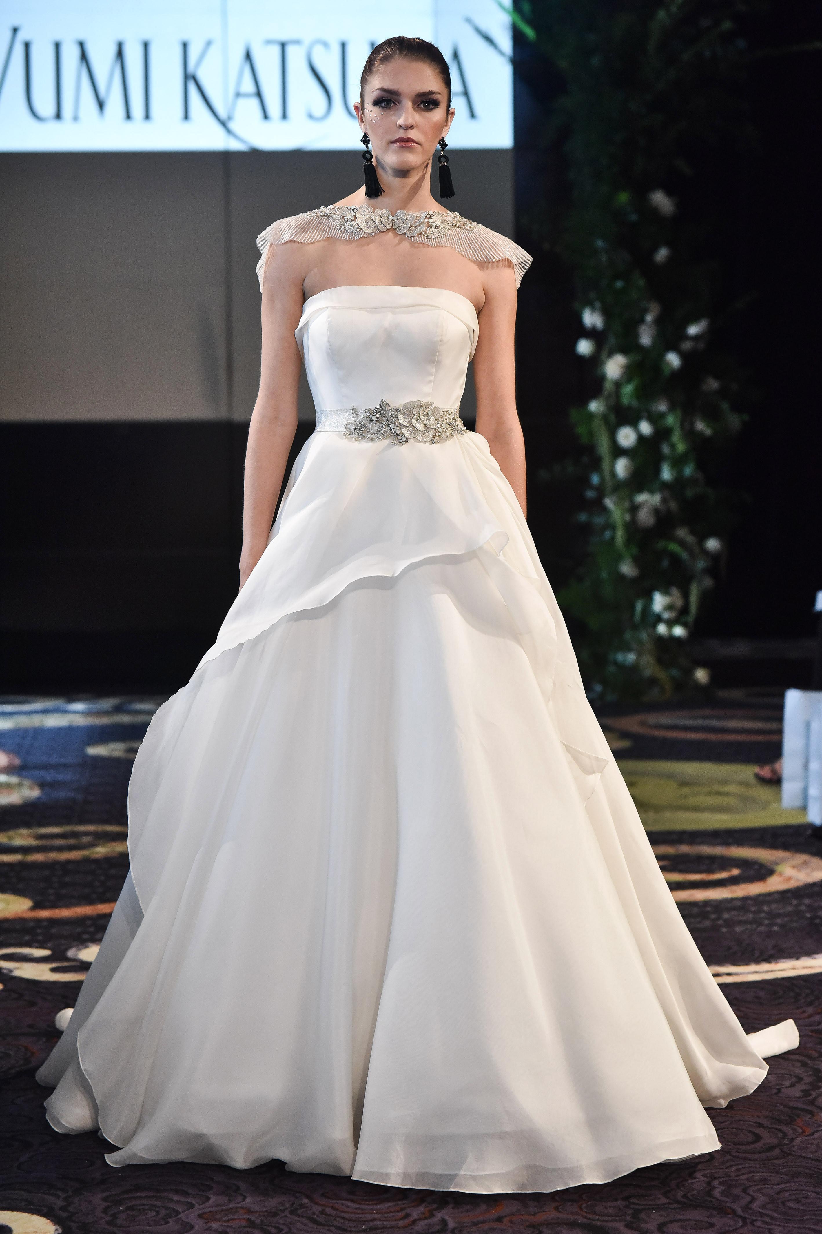 yumi katsura fall 2018 a-line cape wedding dress