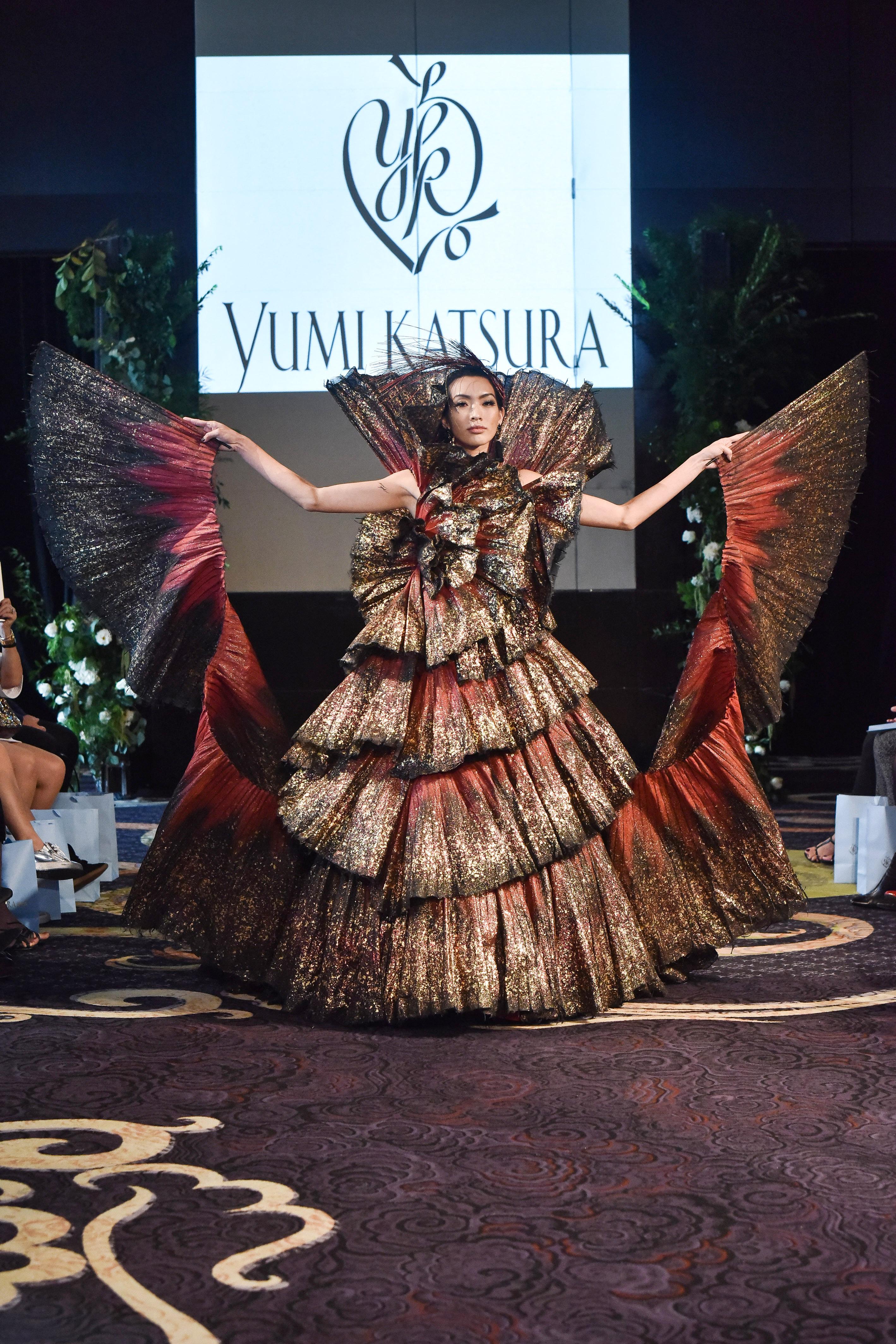 yumi katsura red and gold layered ball gown wedding dress fall 2018