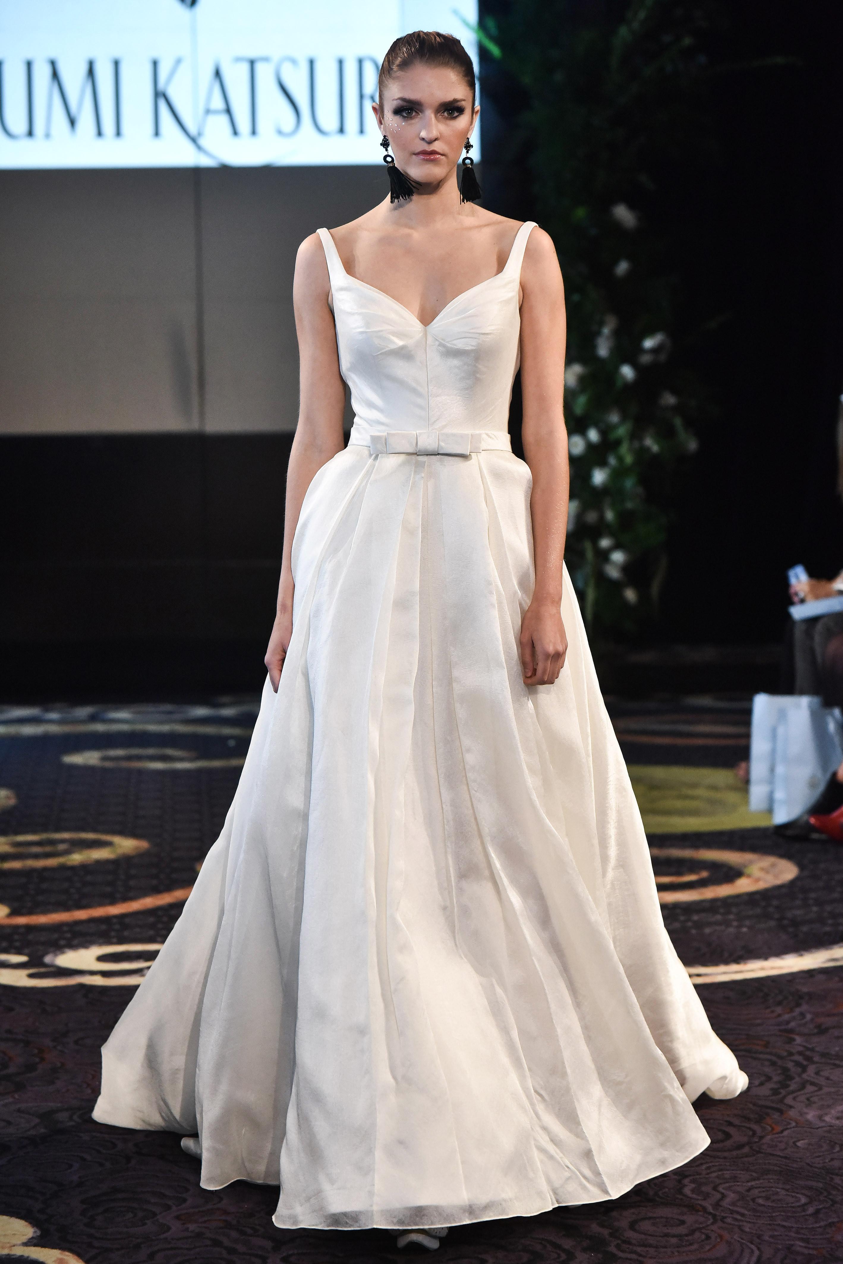 yumi katsura fall 2018 sweetheart belted wedding dress