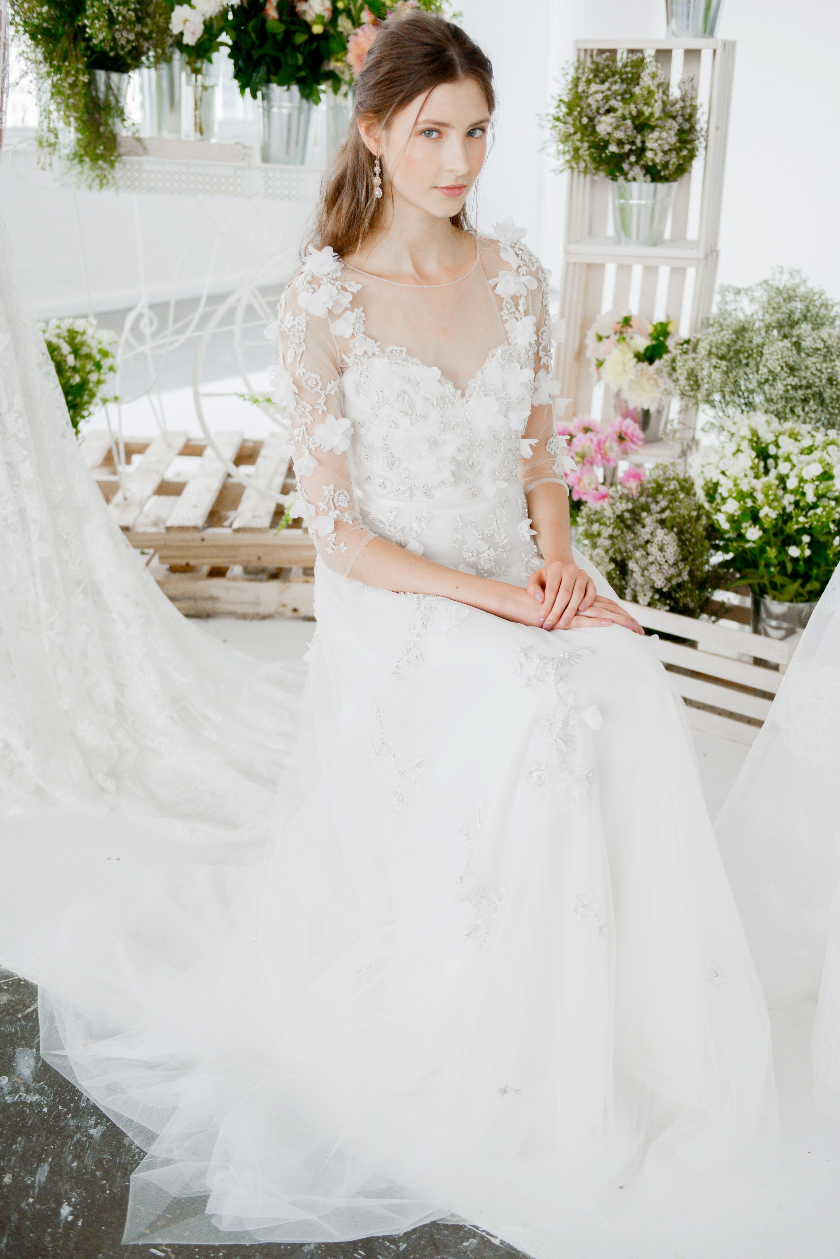 marchesa notte three-quarter sleeves lace sweetheart neckline bridal wedding dress fall 2018
